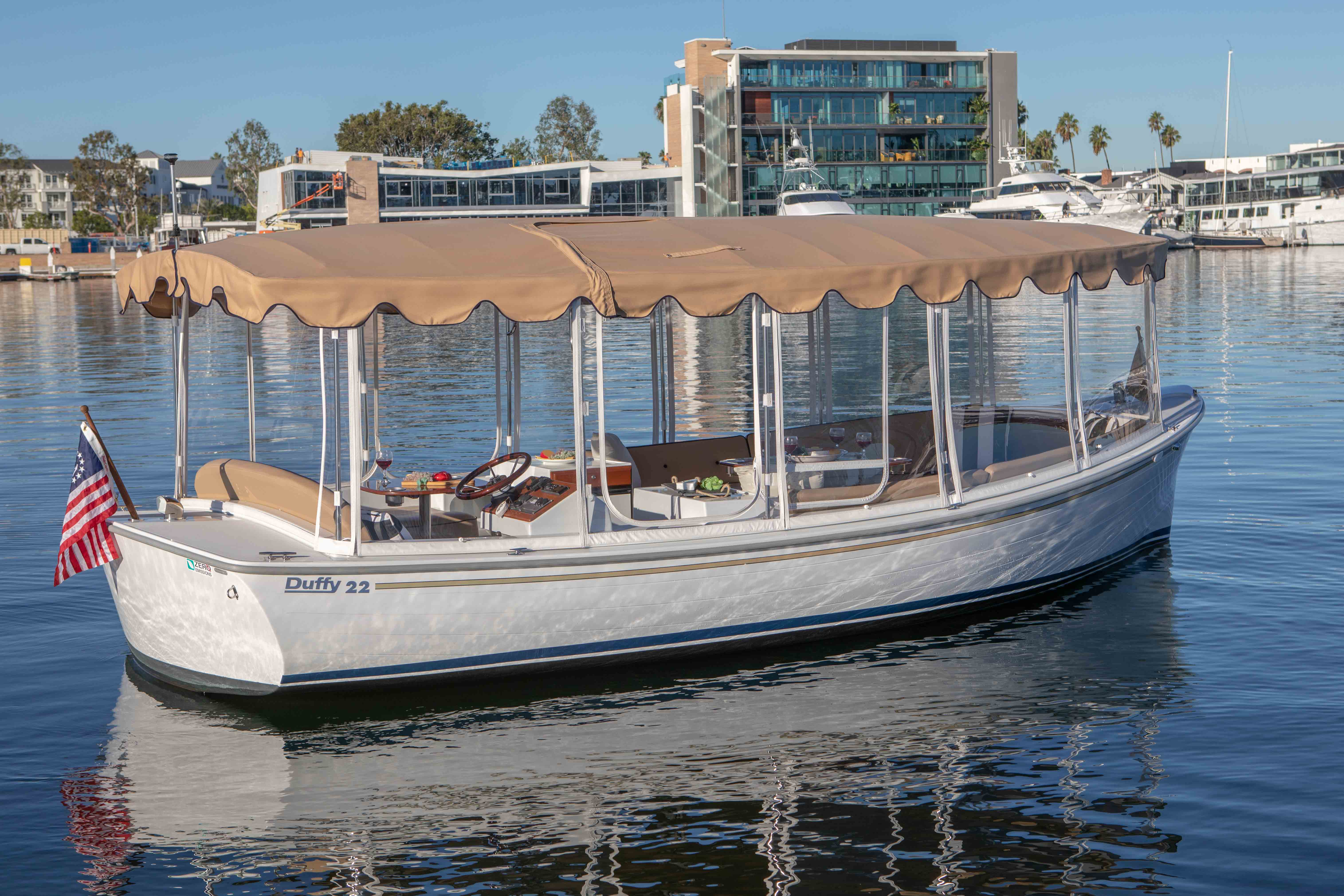 Duffy-Electric-Boat-22-Bay-Island-Exterior-4