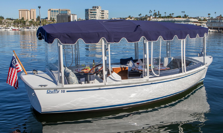 D18-exterior-2019-1 Boat Models