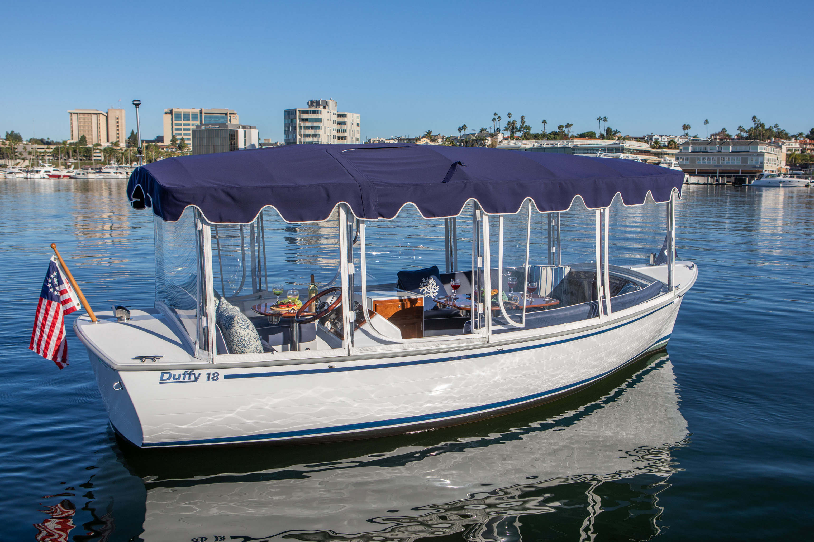 Duffy-Electric-Boats-18-Snug-Harbor-Exterior-2