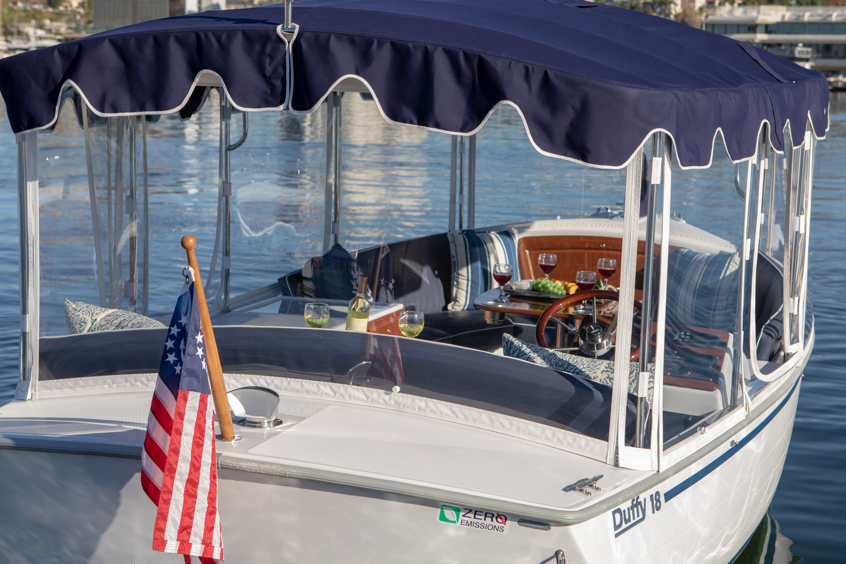 Duffy-Electric-Boats-18-Snug-Harbor-Exterior-5