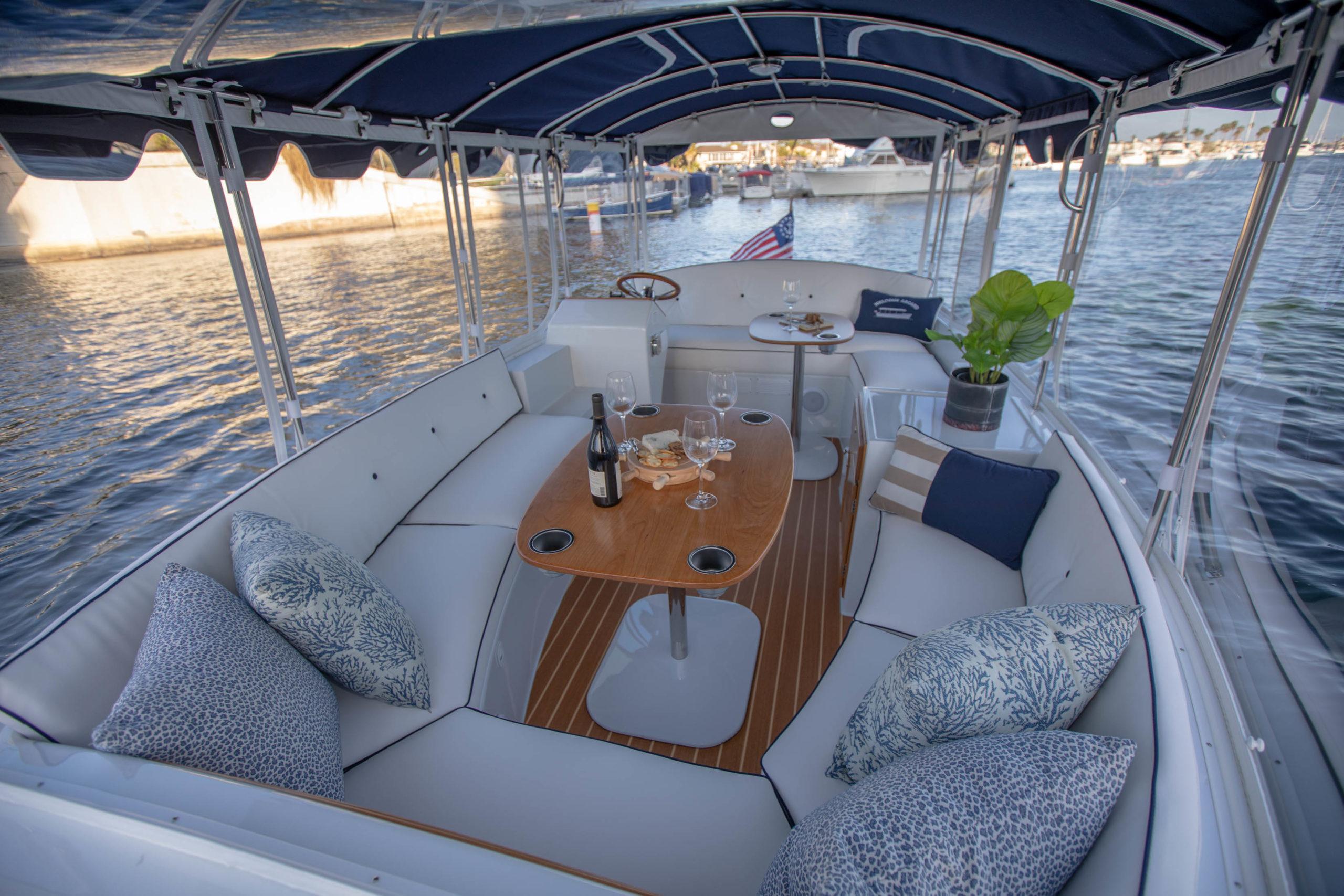 Duffy-Electric-Boats-18-Snug-Harbor-Interior-2020-13