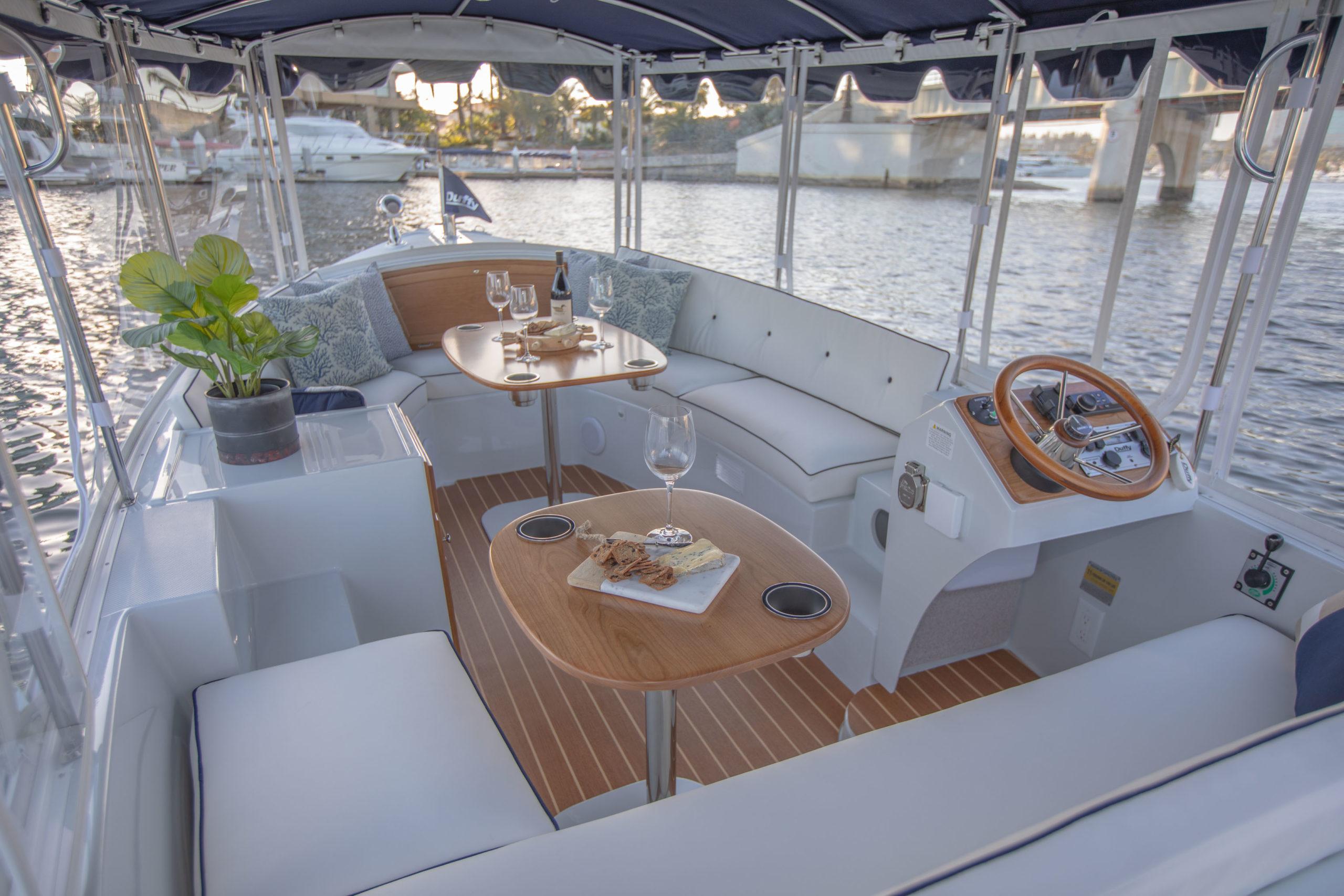 Duffy-Electric-Boats-18-Snug-Harbor-Interior-2020-2