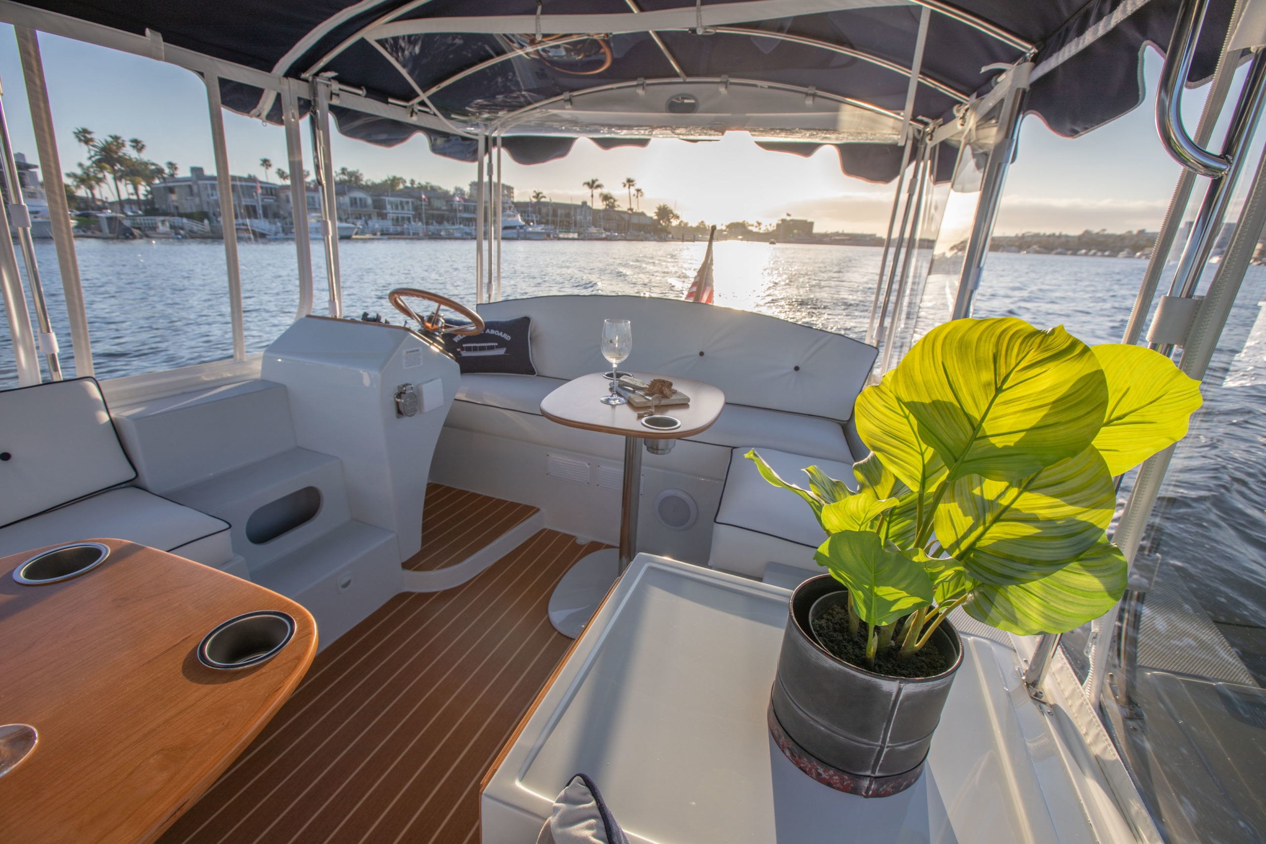 Duffy-Electric-Boats-18-Snug-Harbor-Interior-2020-21
