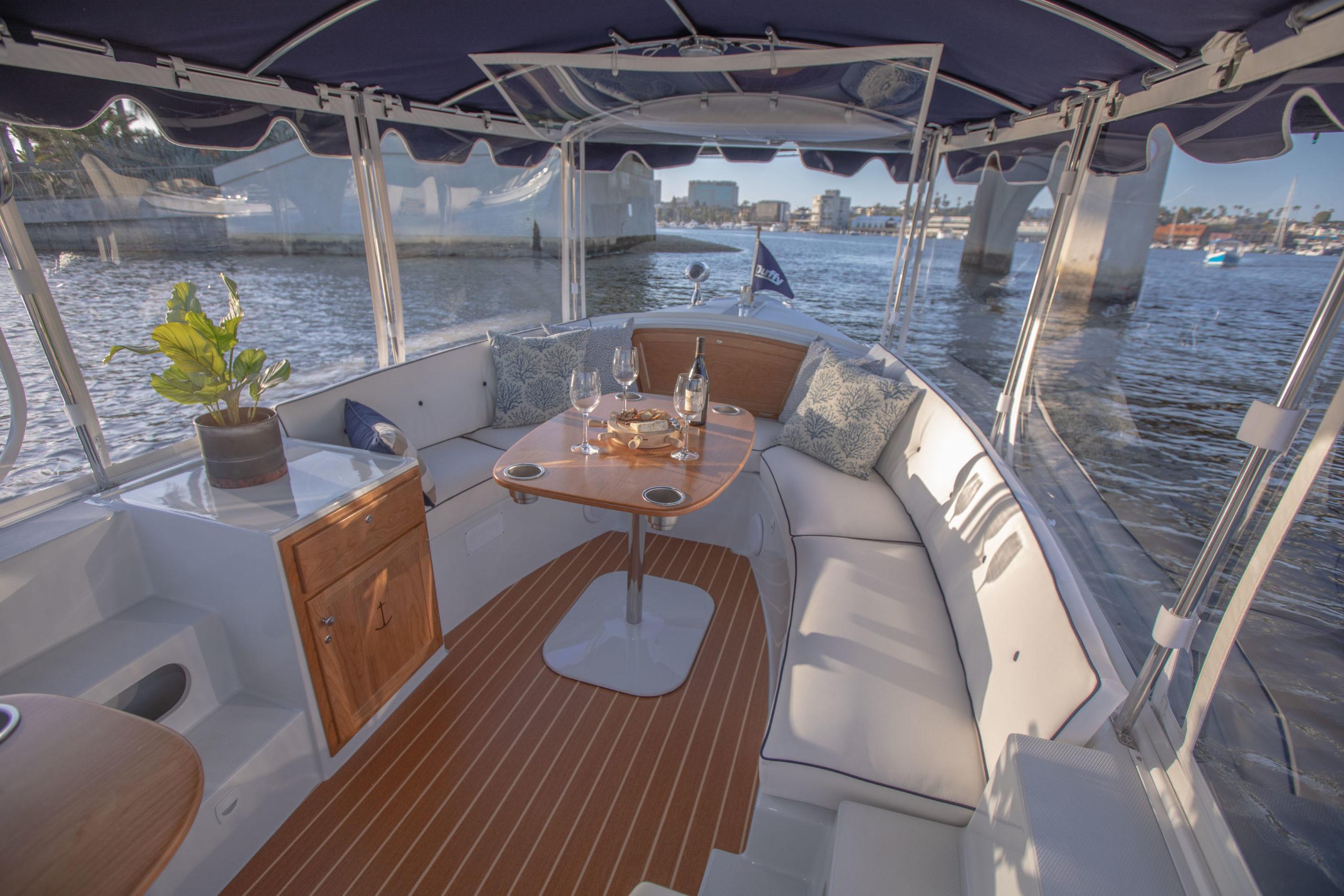 Duffy-Electric-Boats-18-Snug-Harbor-Interior-2020-3