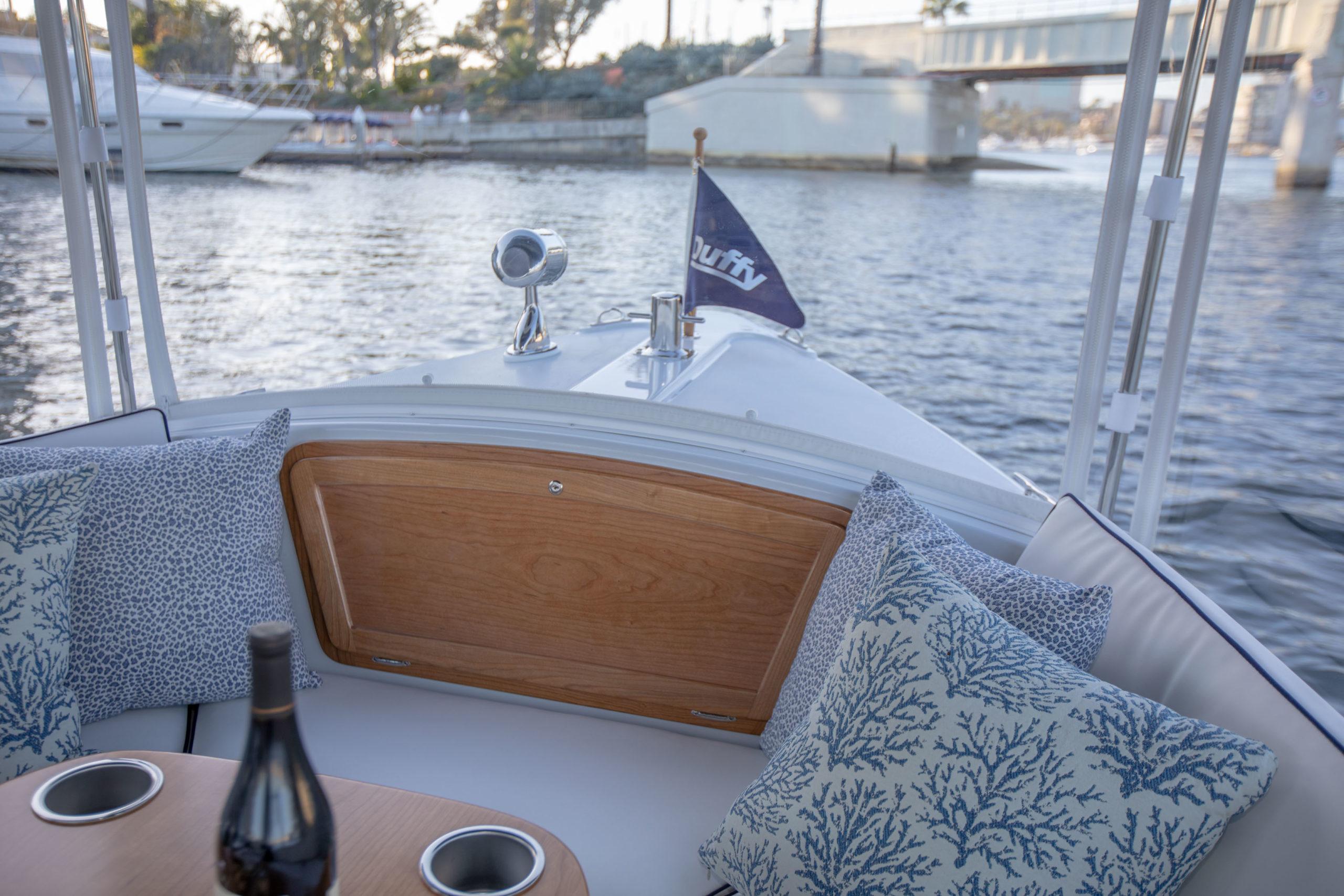 Duffy-Electric-Boats-18-Snug-Harbor-Interior-2020-7