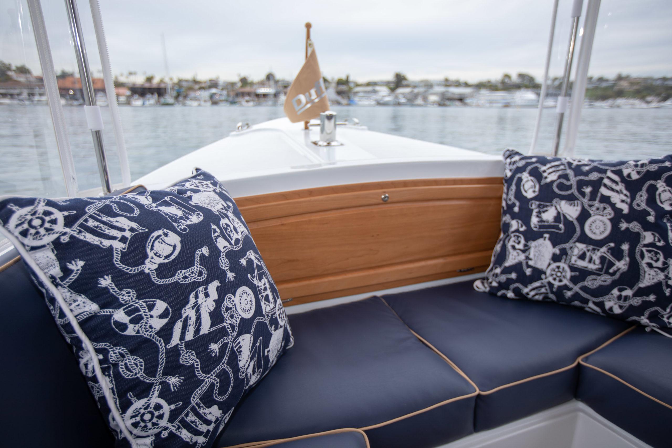 Duffy-Electric-Boats-22-Bay-Island-Interior-2020-10