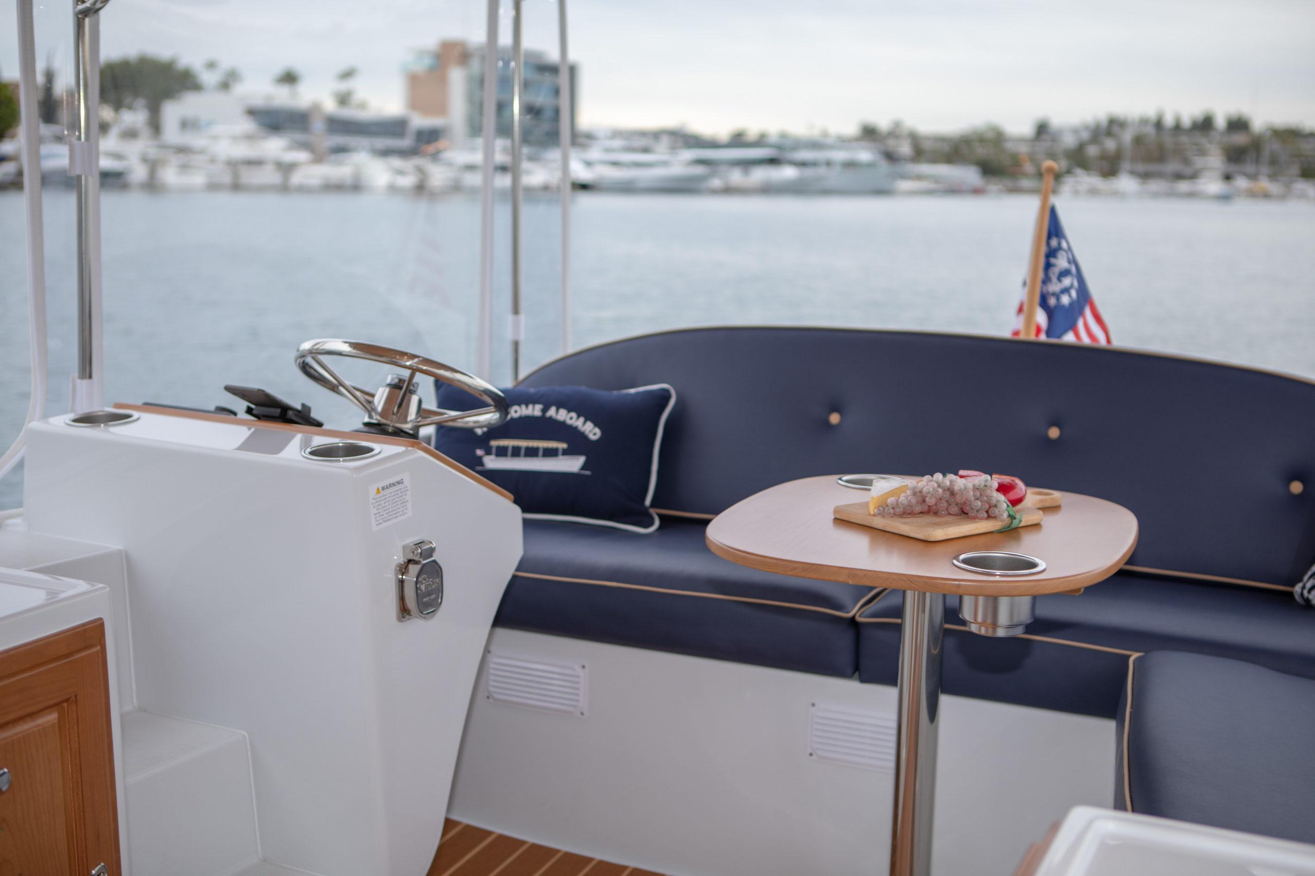 Duffy-Electric-Boats-22-Bay-Island-Interior-2020-14