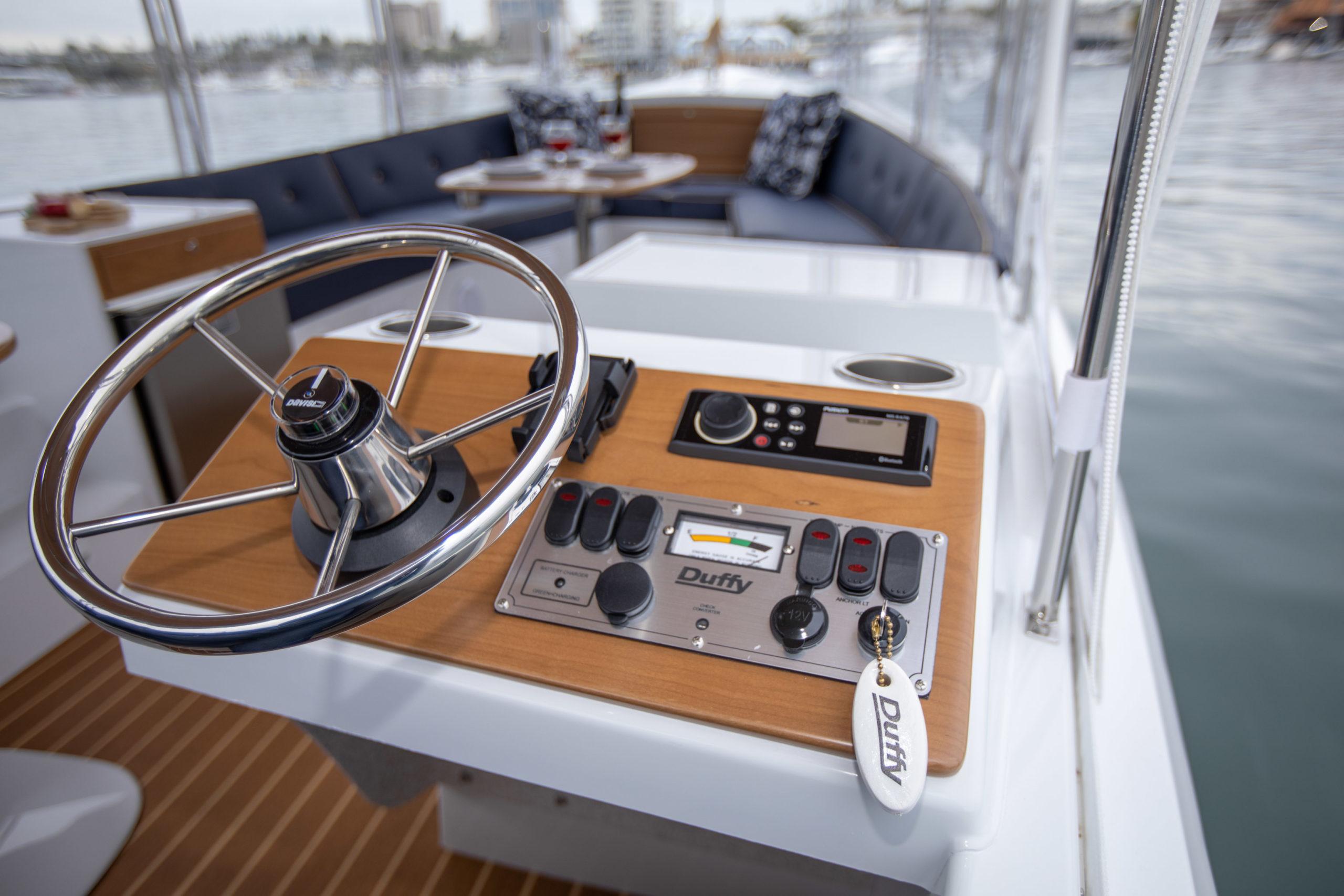 Duffy-Electric-Boats-22-Bay-Island-Interior-2020-15