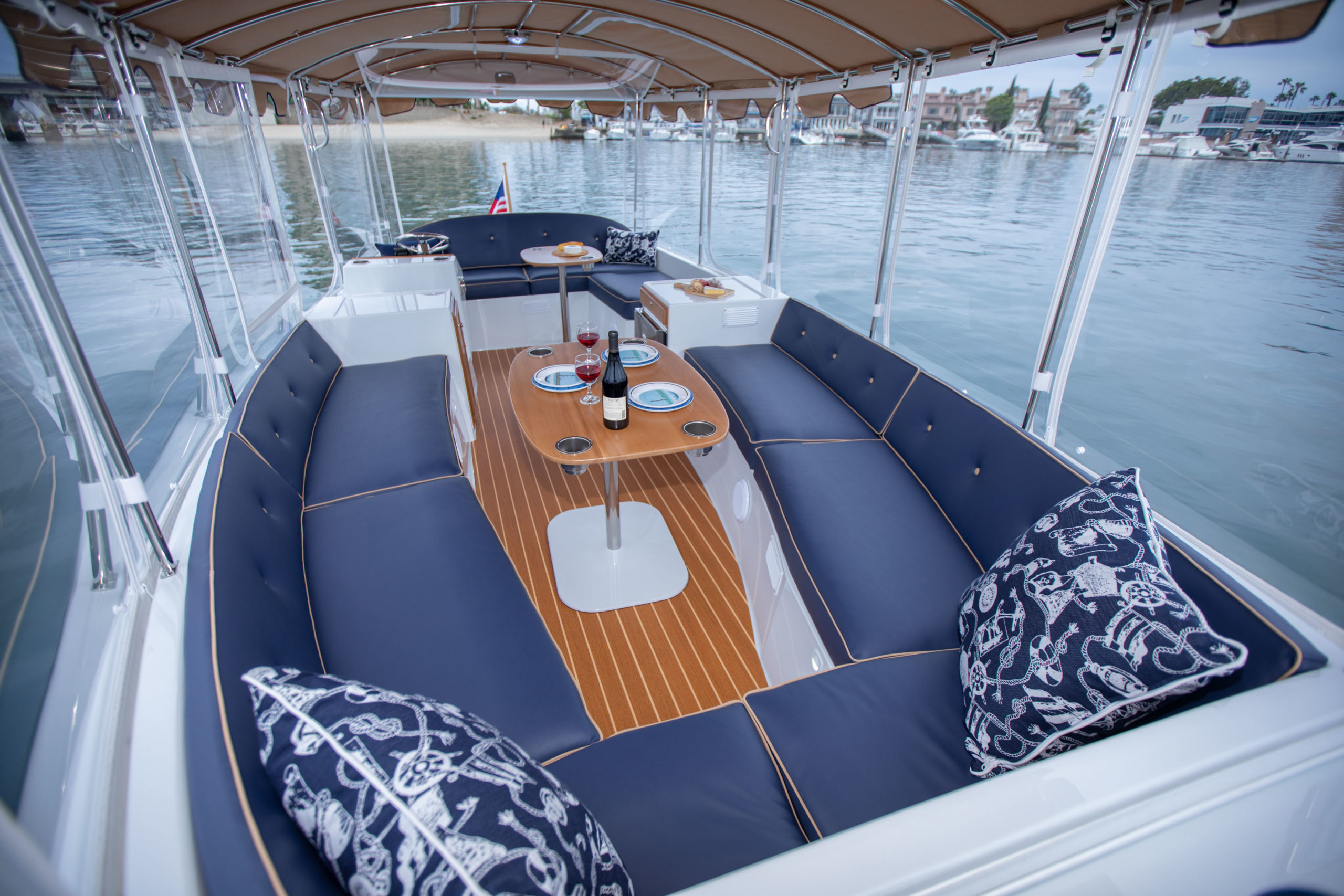 Duffy-Electric-Boats-22-Bay-Island-Interior-2020-3