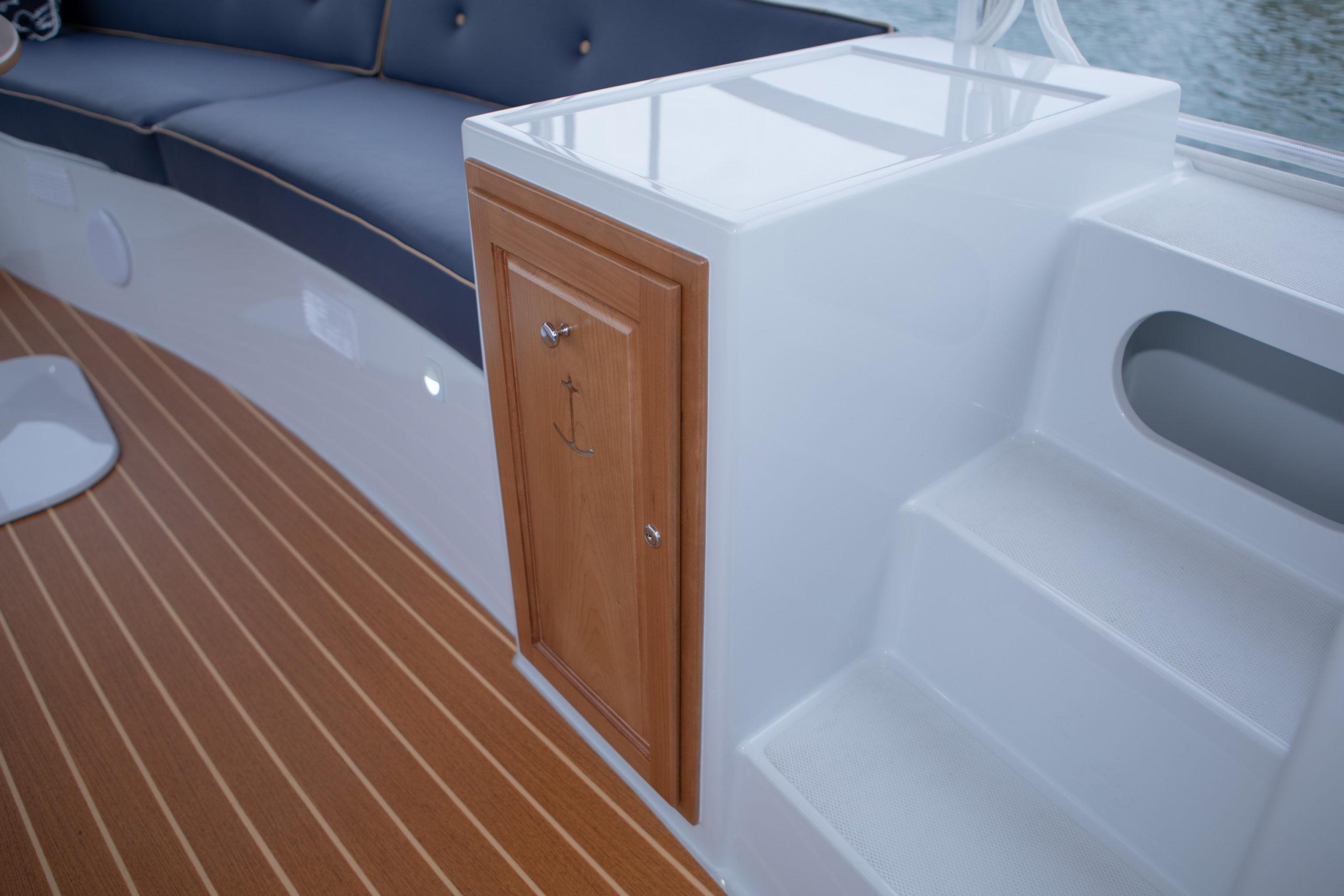 Duffy-Electric-Boats-22-Bay-Island-Interior-2020-7