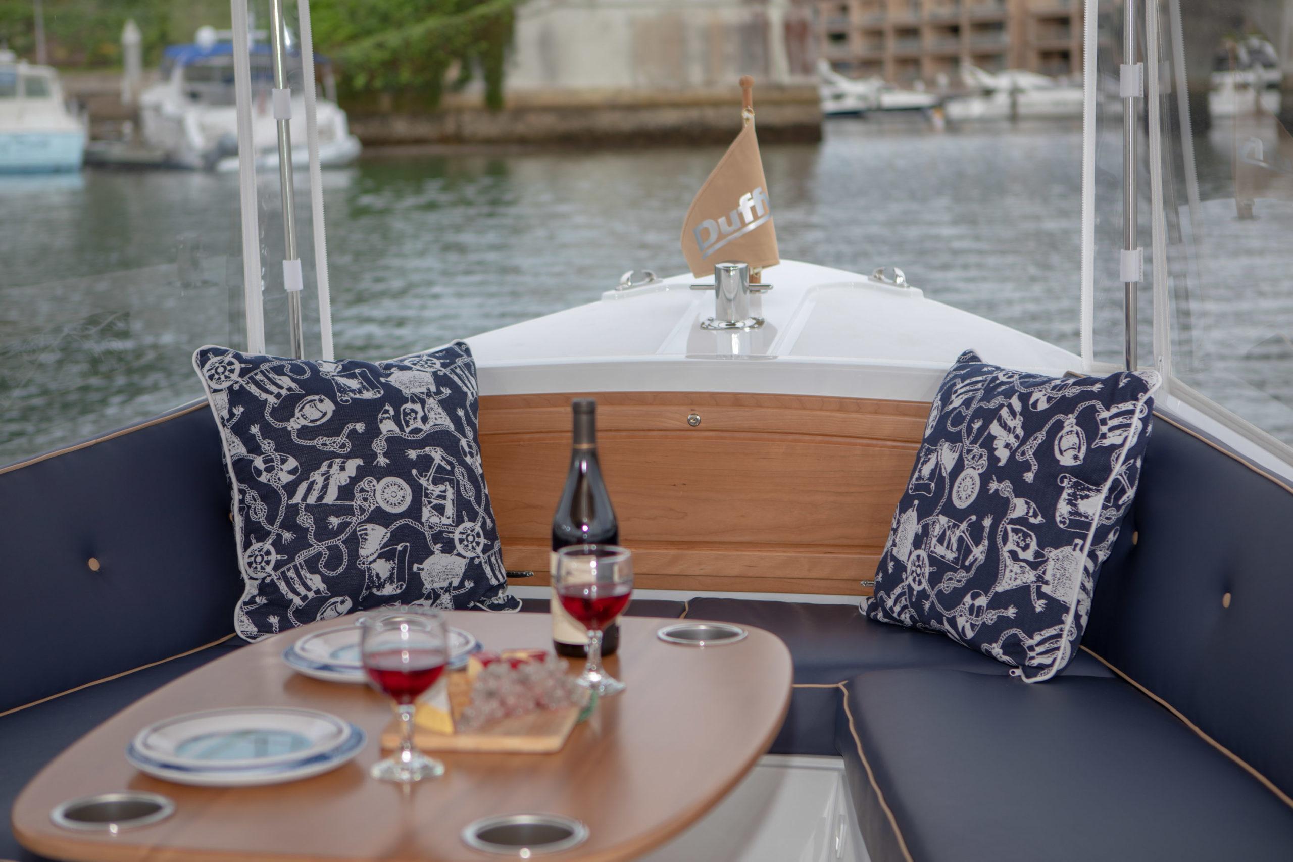 Duffy-Electric-Boats-22-Bay-Island-Interior-2020-8