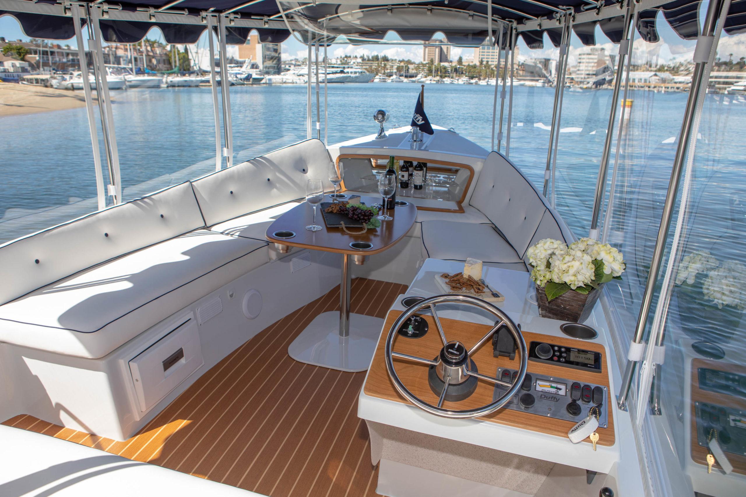 Duffy-Electric-Boats-22-Sun-Cruiser-Interior-2020-11