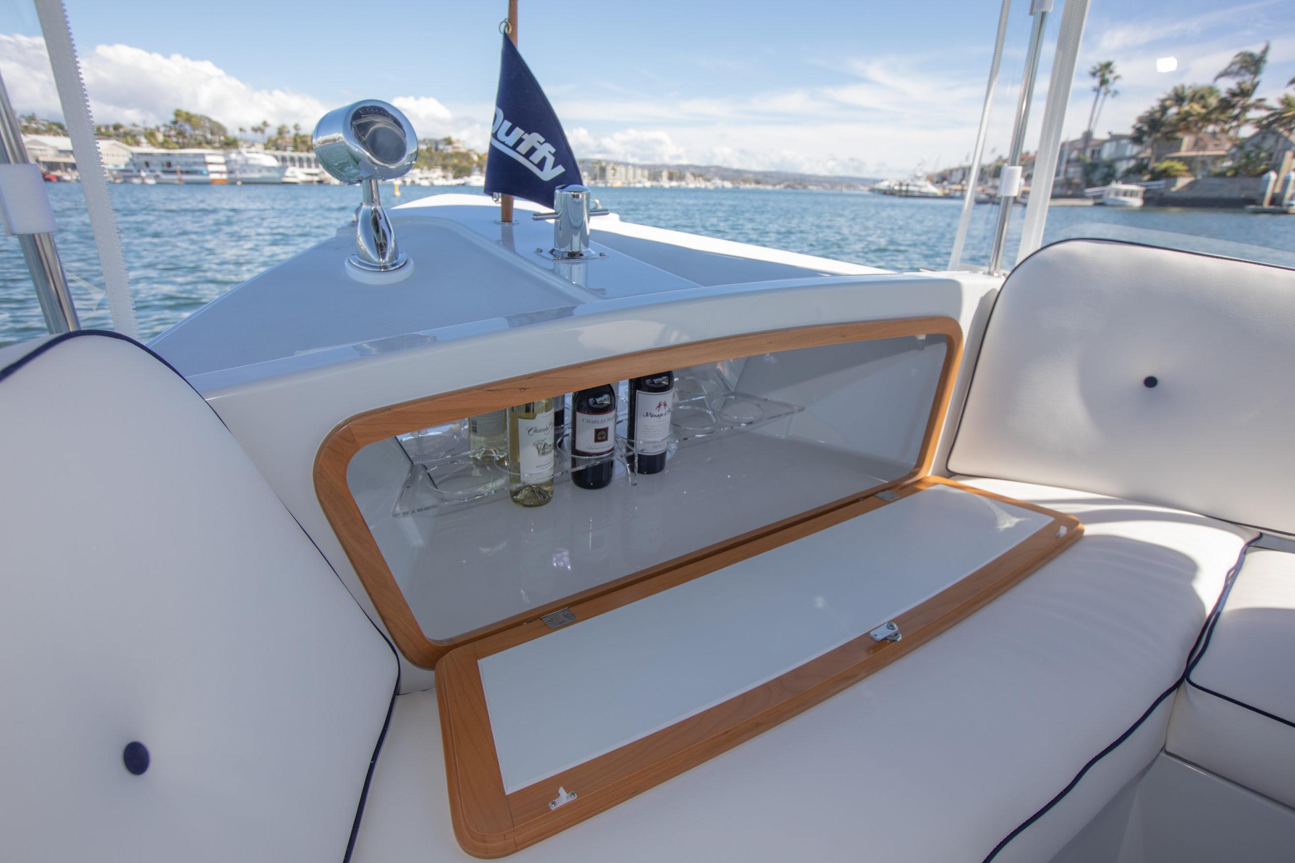 Duffy-Electric-Boats-22-Sun-Cruiser-Interior-2020-16