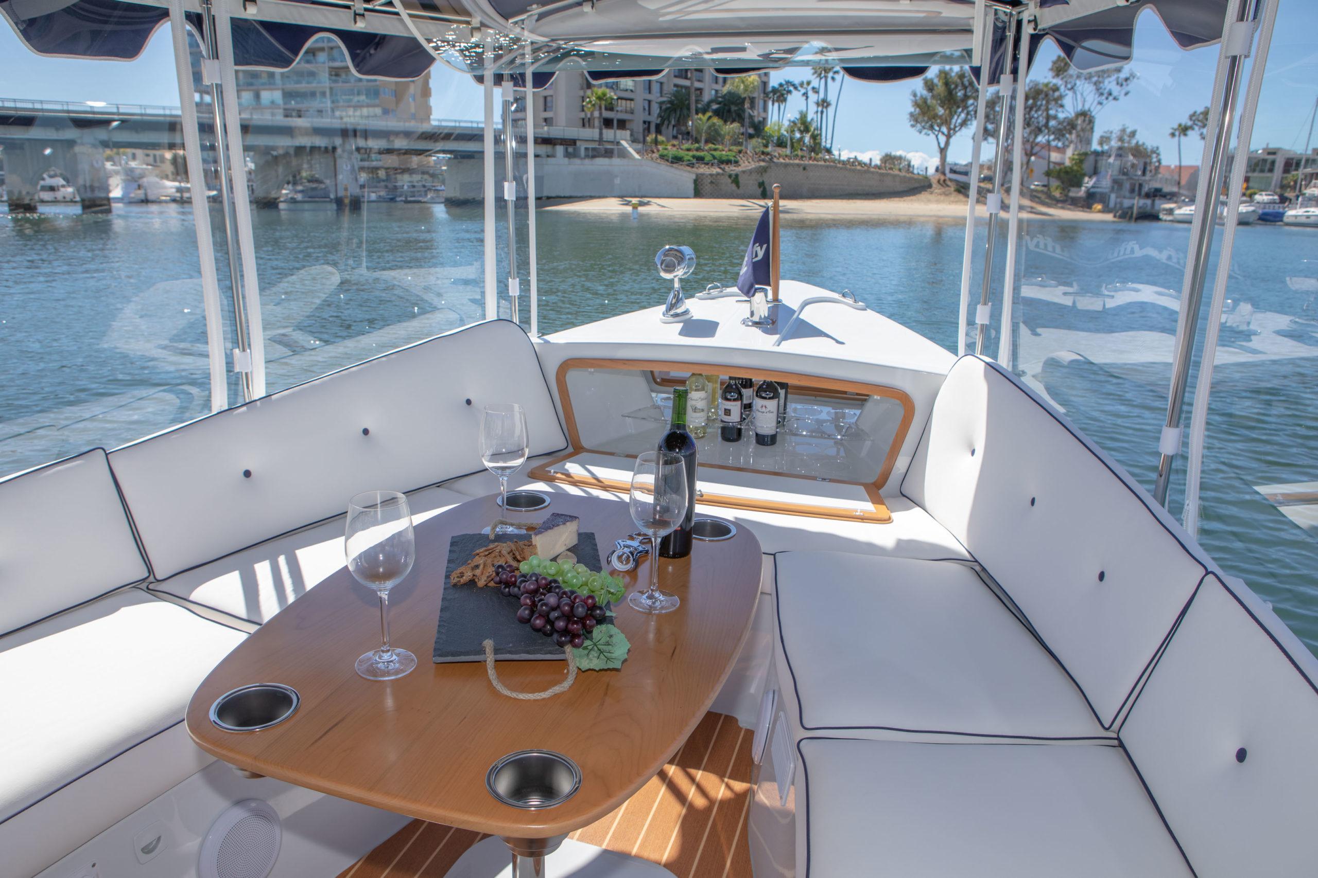 Duffy-Electric-Boats-22-Sun-Cruiser-Interior-2020-9