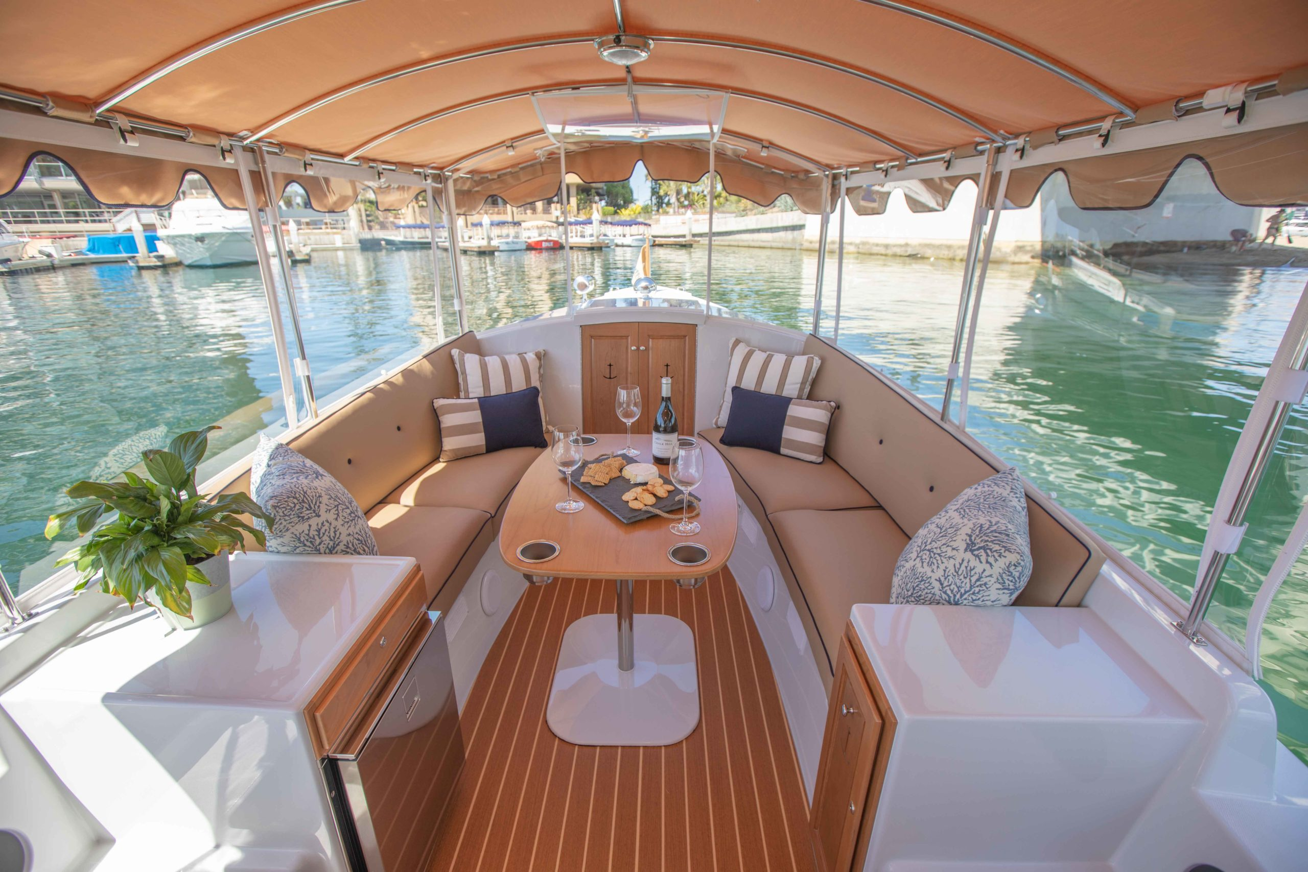 Duffy-Electric-Boats-22-Cuddy-Cabin-2020-Batch2-2