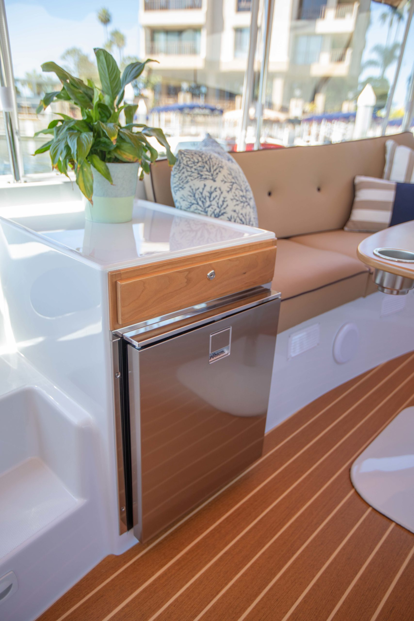 Duffy-Electric-Boats-22-Cuddy-Cabin-2020-Batch2-3