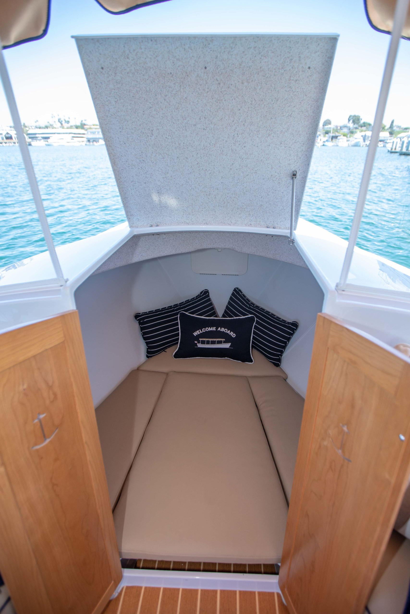 Duffy-Electric-Boats-22-Cuddy-Cabin-2020-Batch2-6