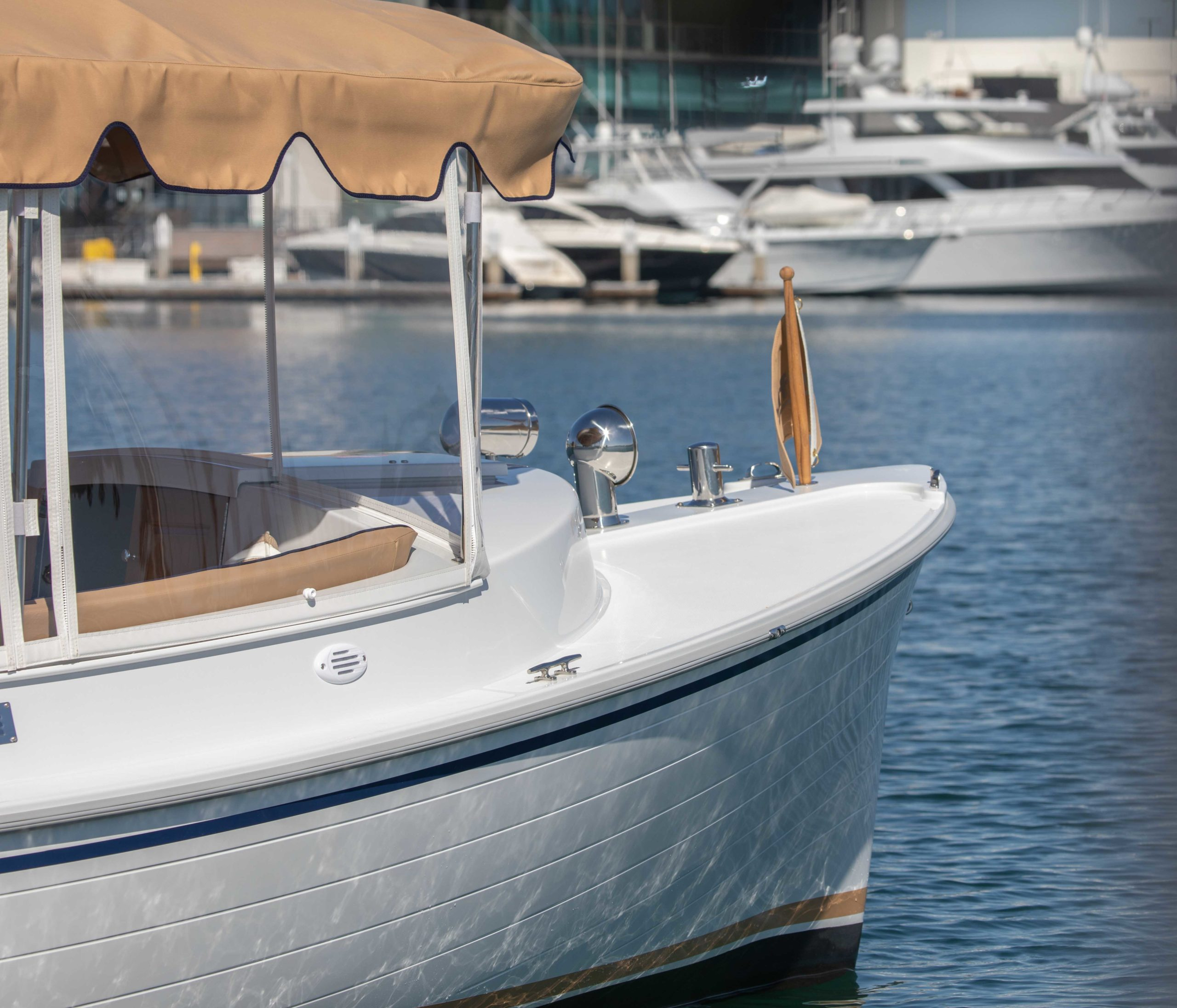 Duffy-Electric-Boats-22-Cuddy-Cabin-Exterior-15