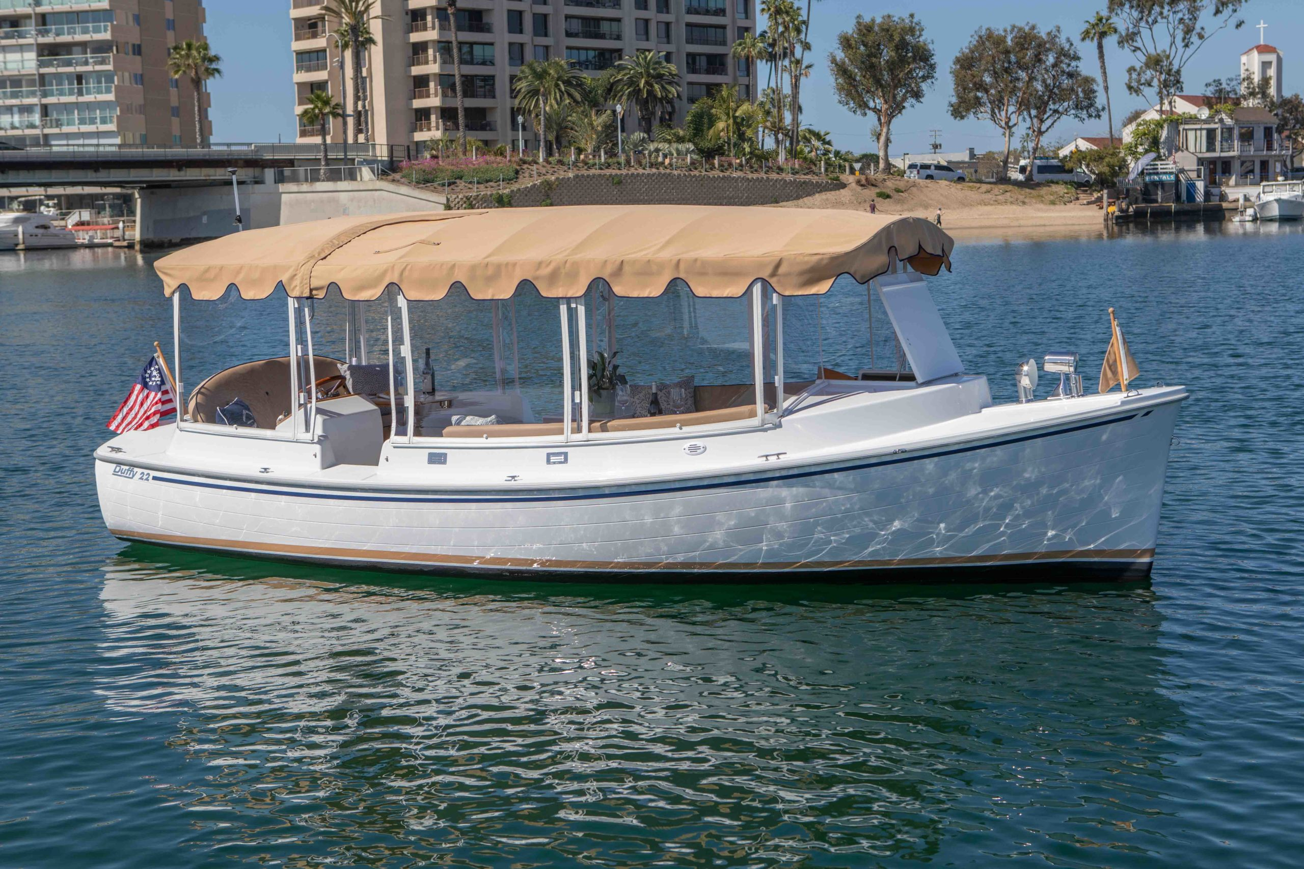 Duffy-Electric-Boats-22-Cuddy-Cabin-Exterior-16
