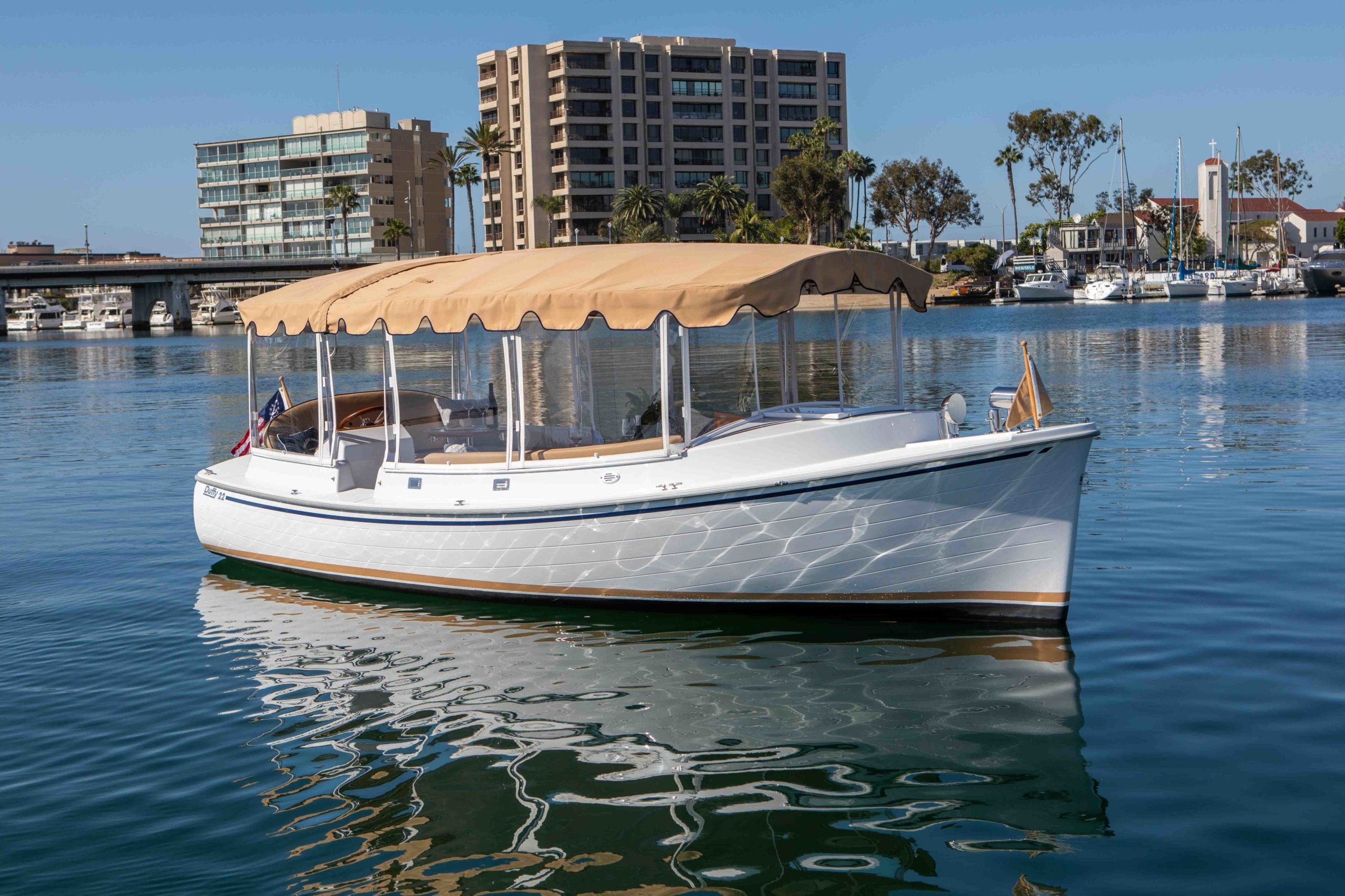 Duffy-Electric-Boats-22-Cuddy-Cabin-Exterior-4