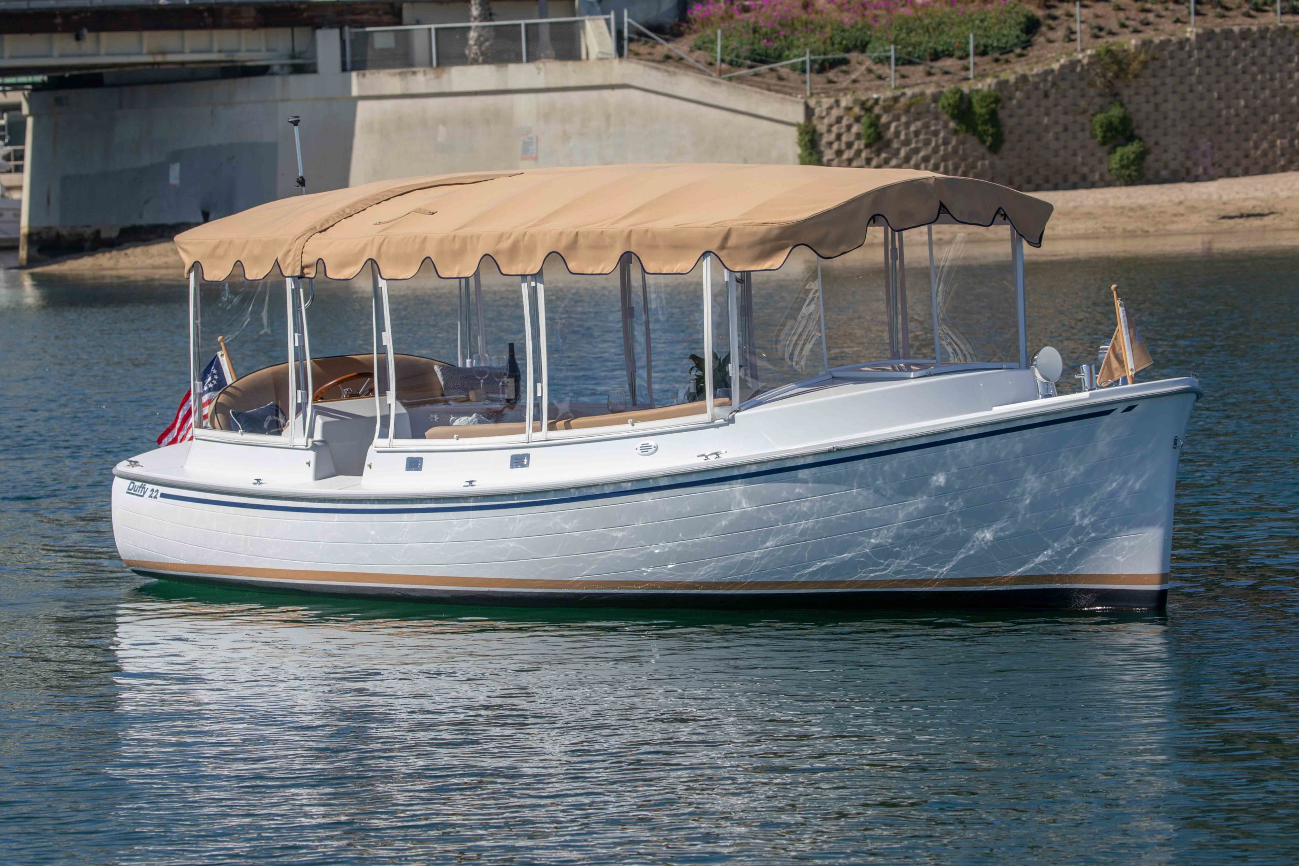 Duffy-Electric-Boats-22-Cuddy-Cabin-Exterior-9
