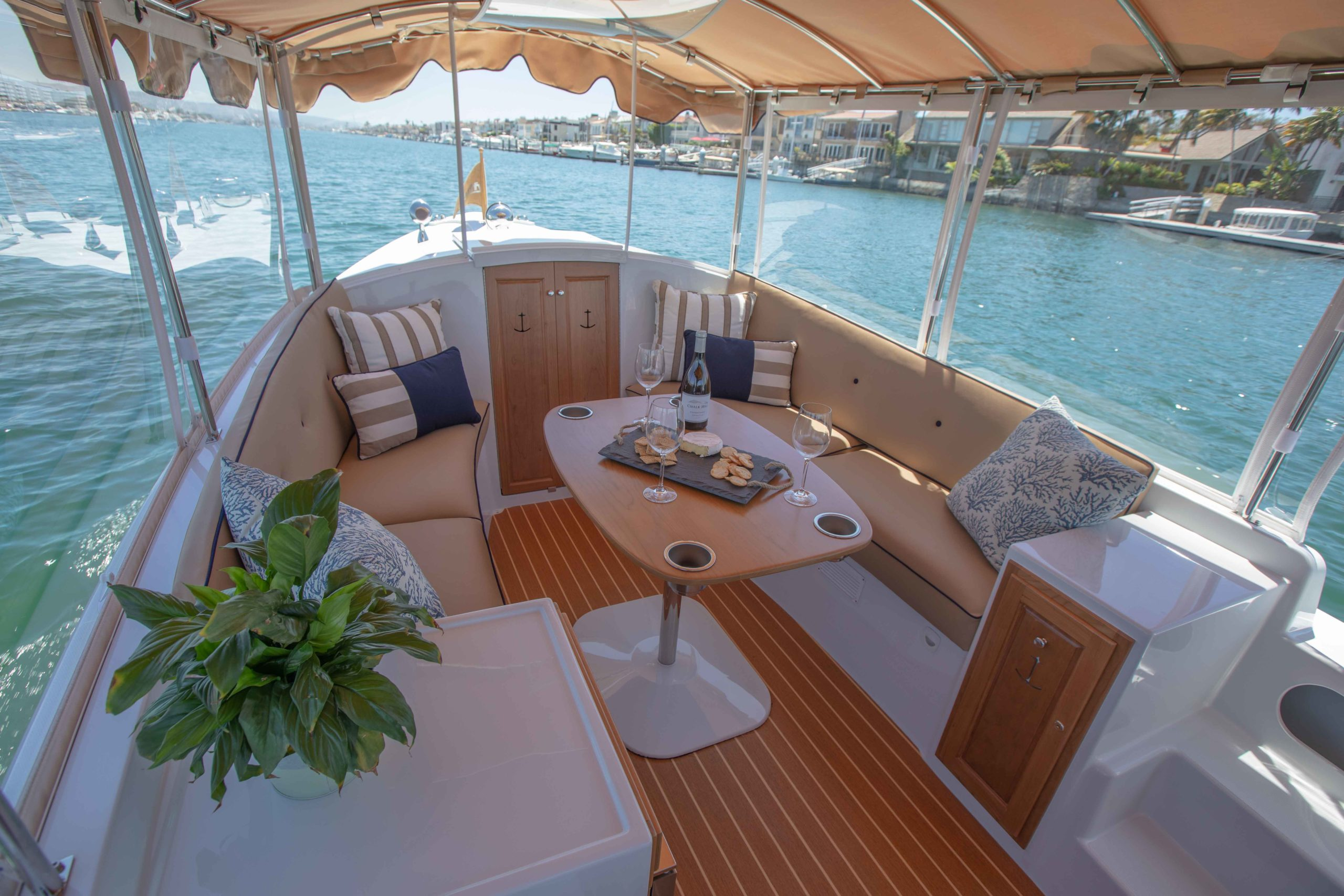 Duffy-Electric-Boats-22-Cuddy-Cabin-Interior-11