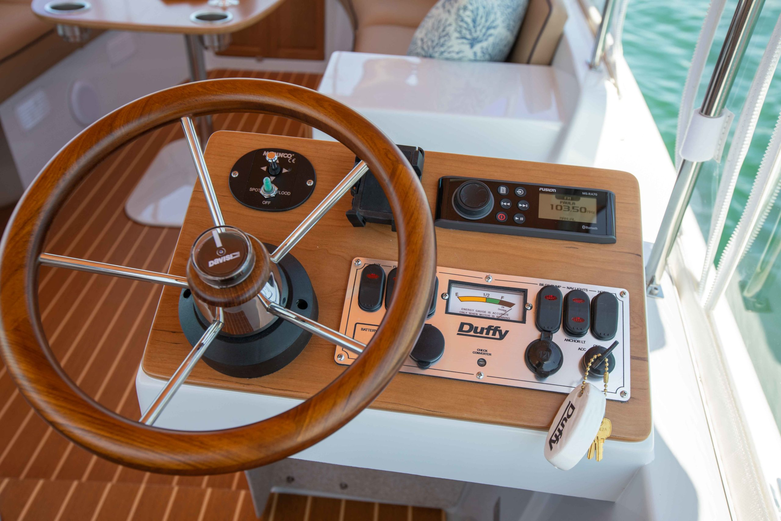 Duffy-Electric-Boats-22-Cuddy-Cabin-Interior-13