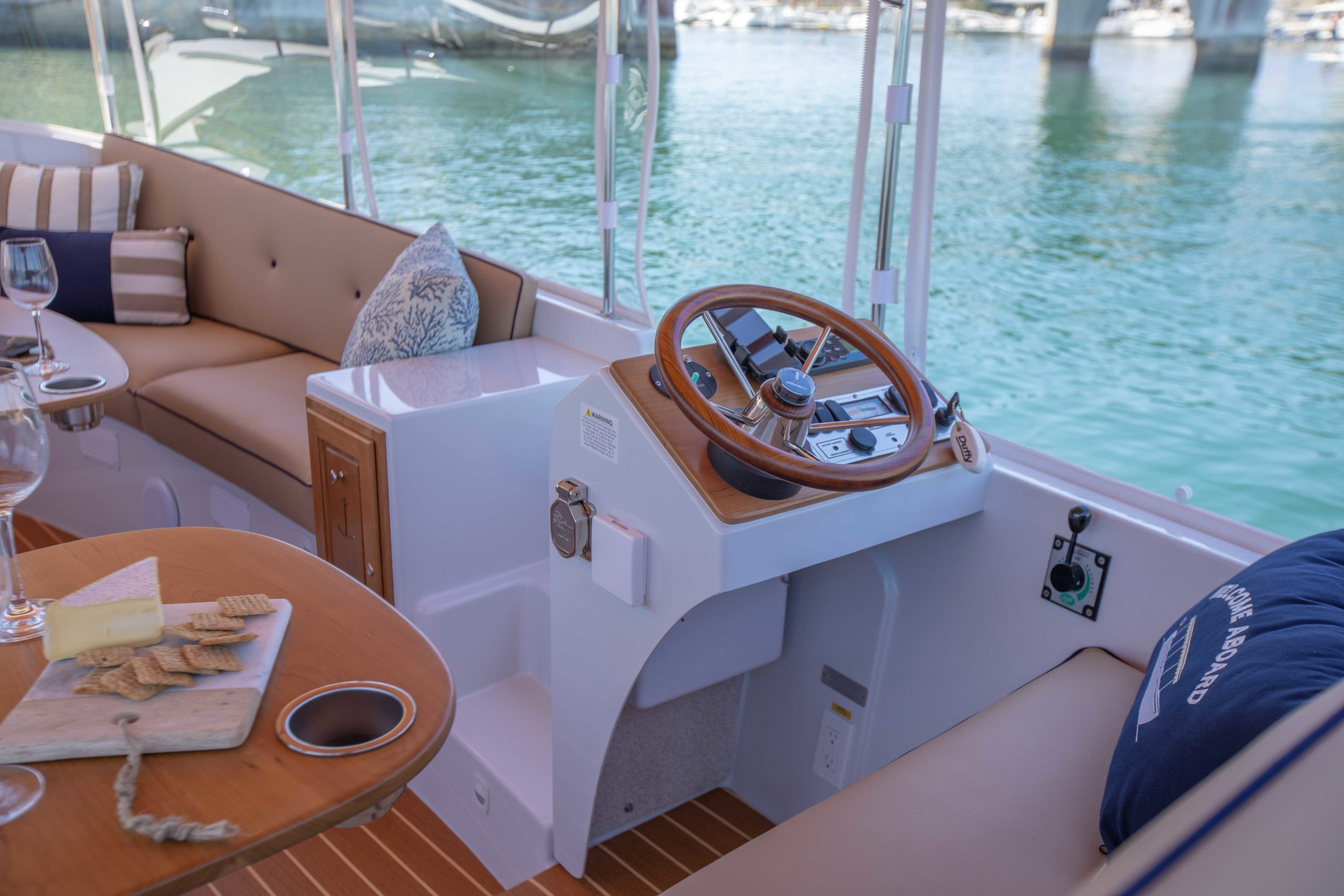 Duffy-Electric-Boats-22-Cuddy-Cabin-Interior-4