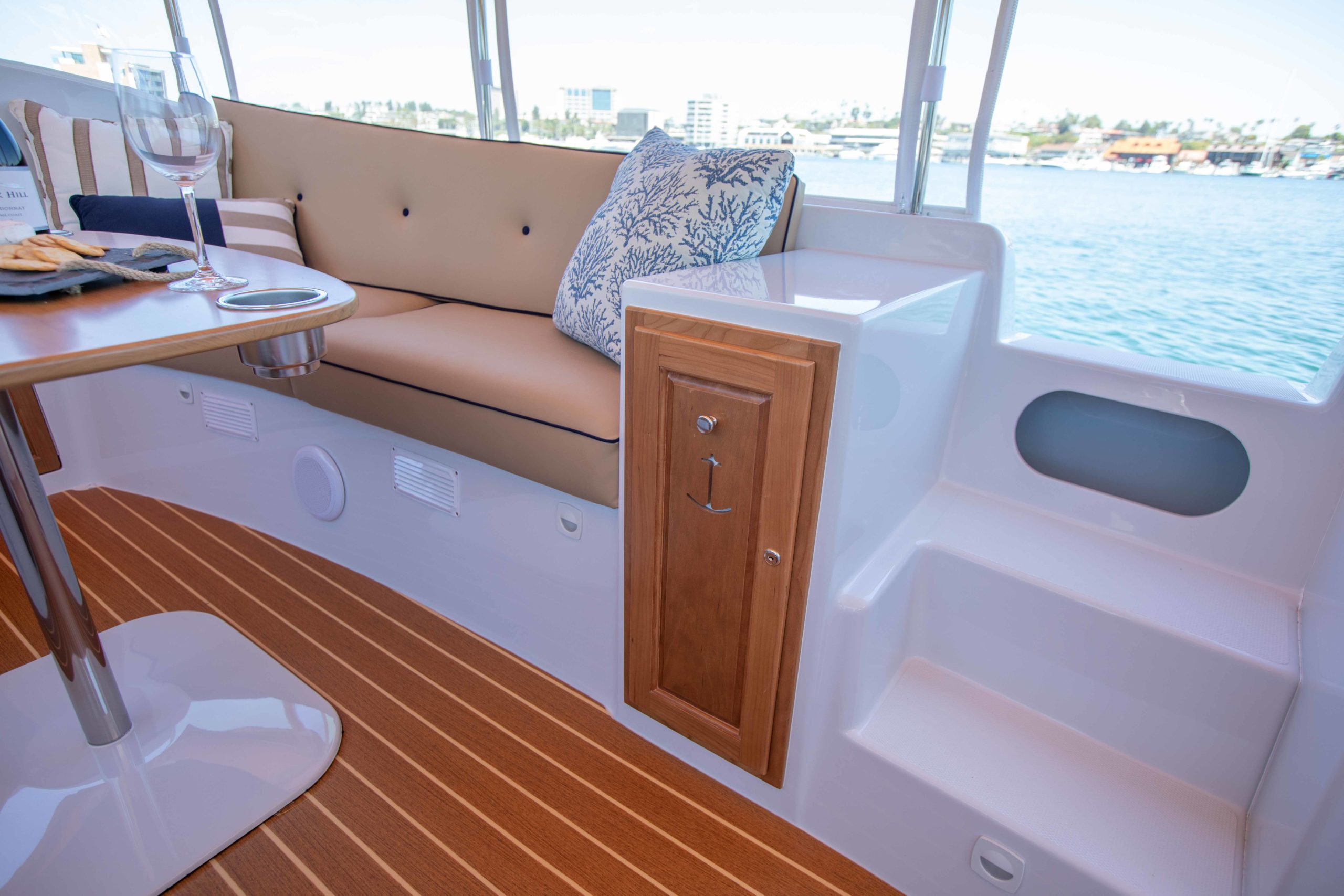Duffy-Electric-Boats-22-Cuddy-Cabin-Interior-6