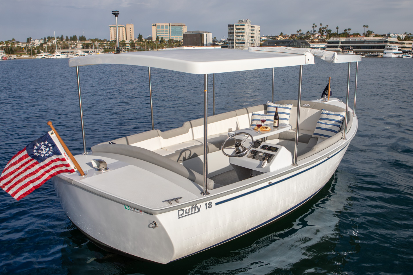 Duffy-Electric-Boats-Bayshore-18-Exterior-4