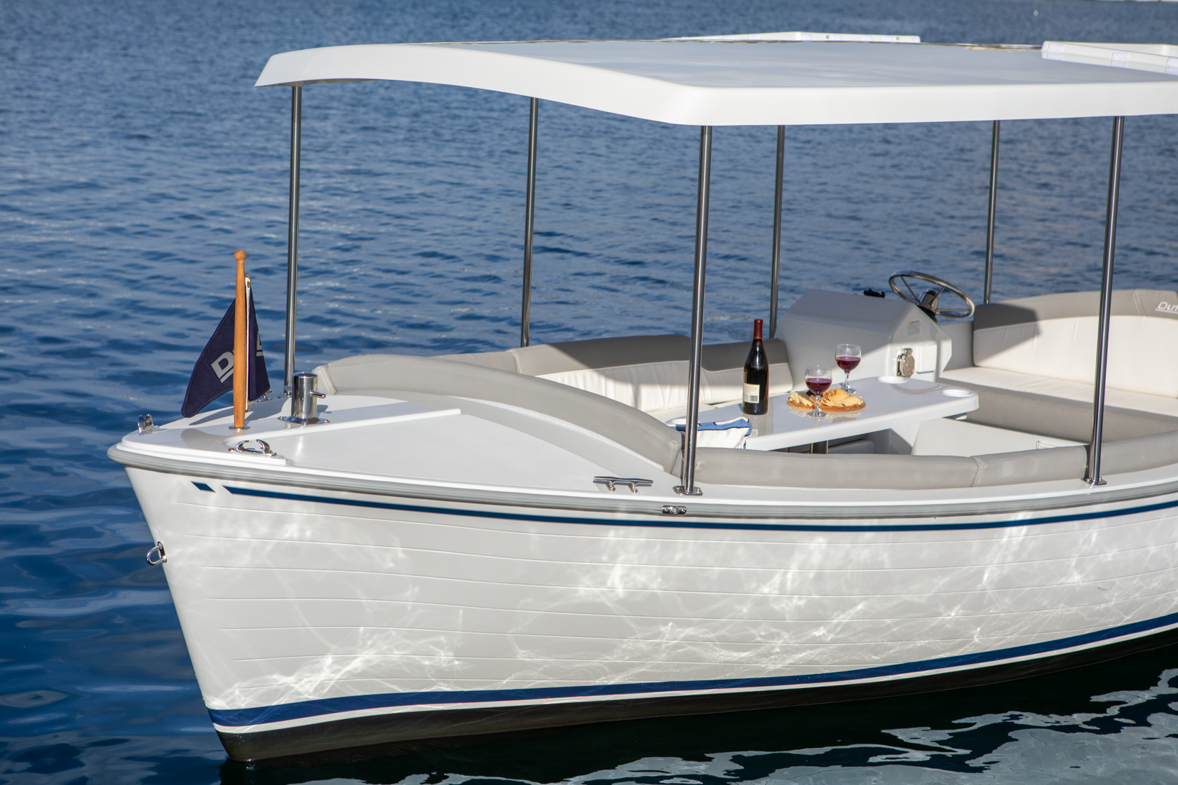 Duffy-Electric-Boats-Bayshore-18-Exterior-6