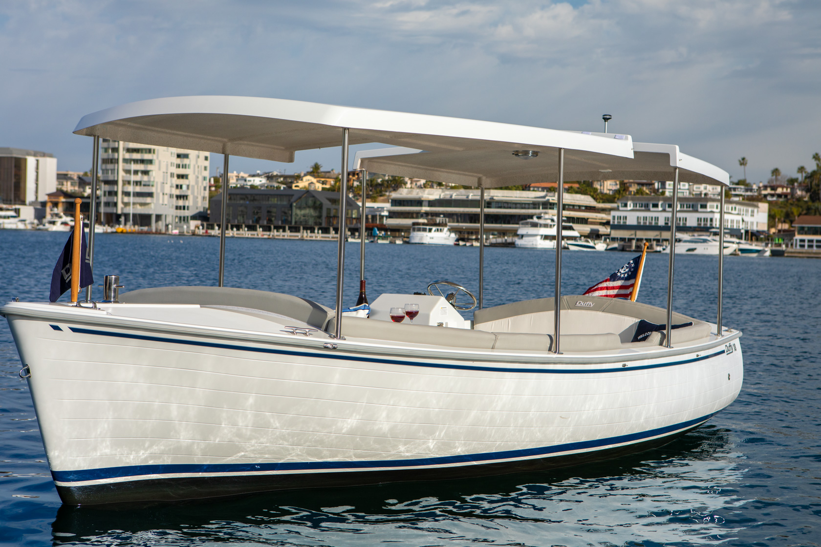Duffy-Electric-Boats-Bayshore-18-Exterior-7