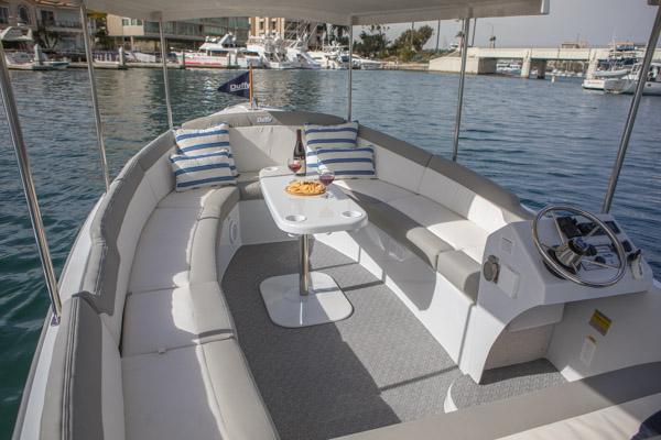 Duffy-Electric-Boats-Bayshore-18-Interior-SM Bayshore 18