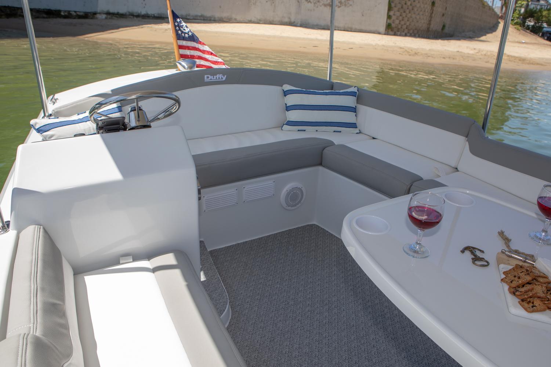 Duffy-Electric-Boats-Bayshore-18-Interior-v2-3