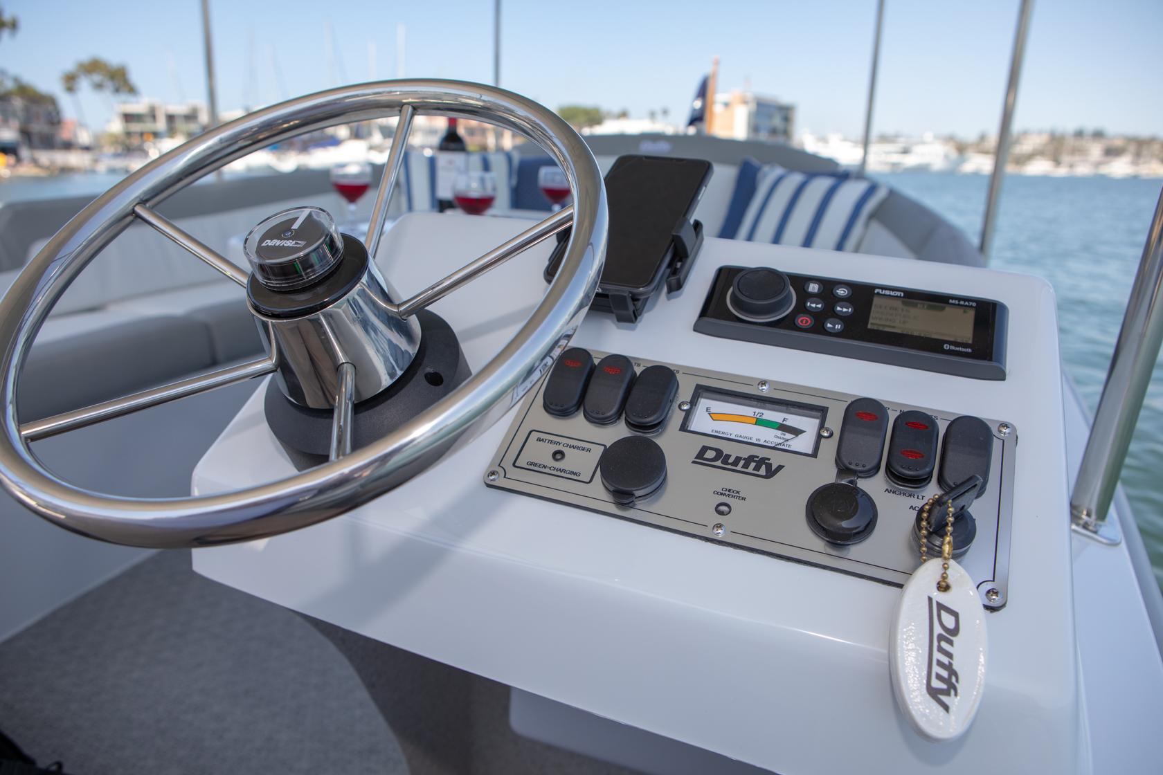 Duffy-Electric-Boats-Bayshore-18-Interior-v2-5