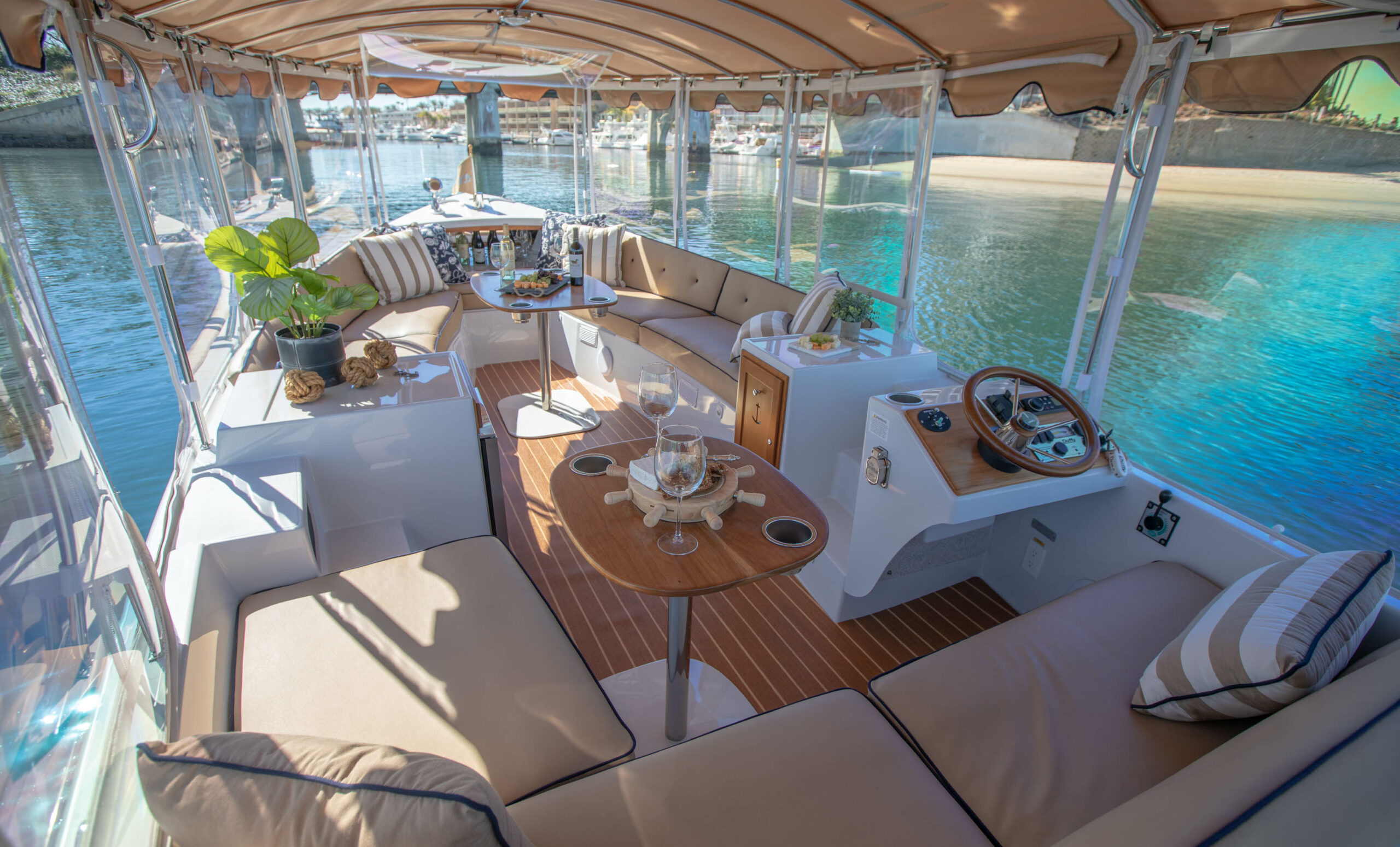 Duffy-Electric-Boats-22Bay-Island-Interior-2021_Med-30