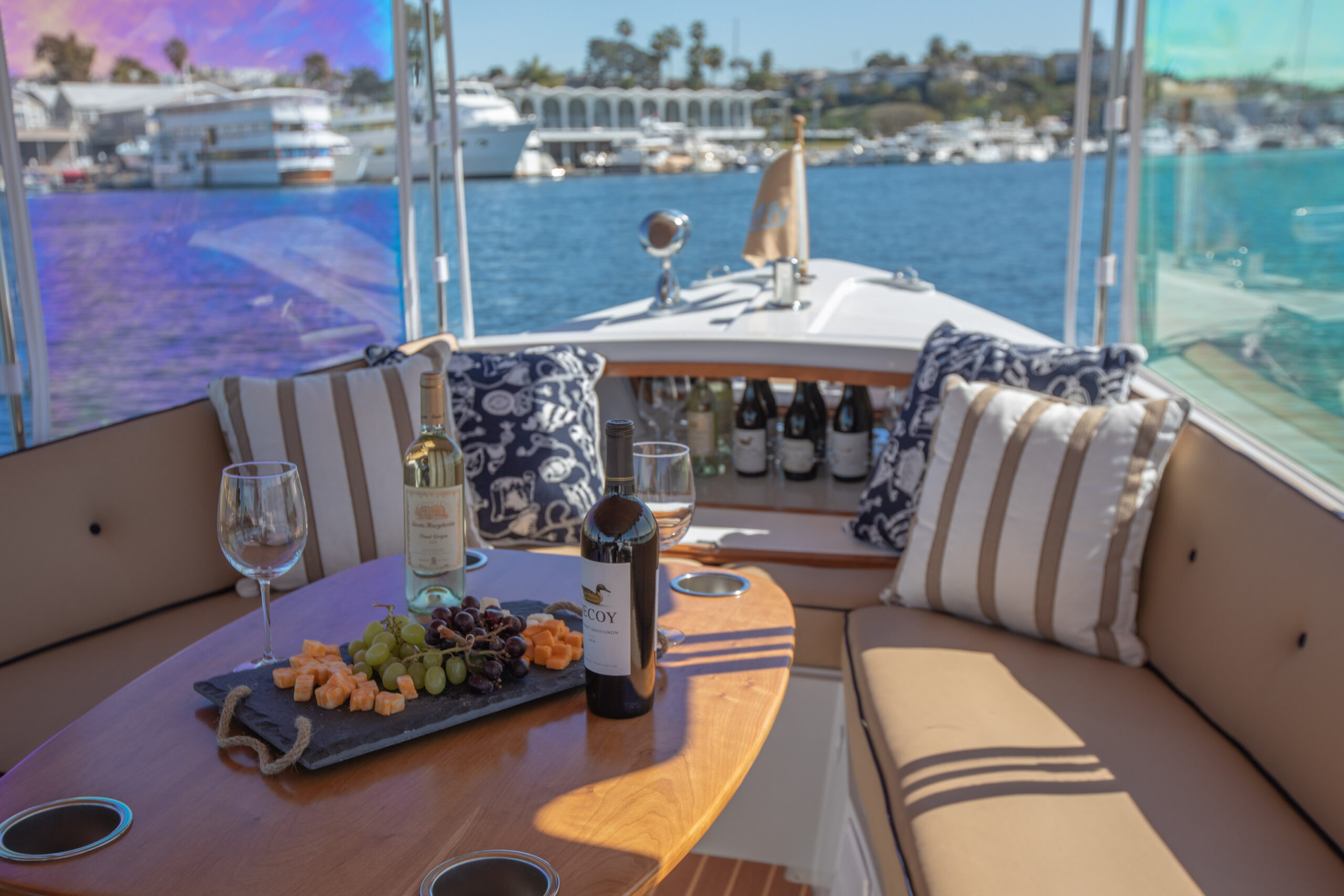 Duffy-Electric-Boats-22Bay-Island-Interior-2021_Med-47