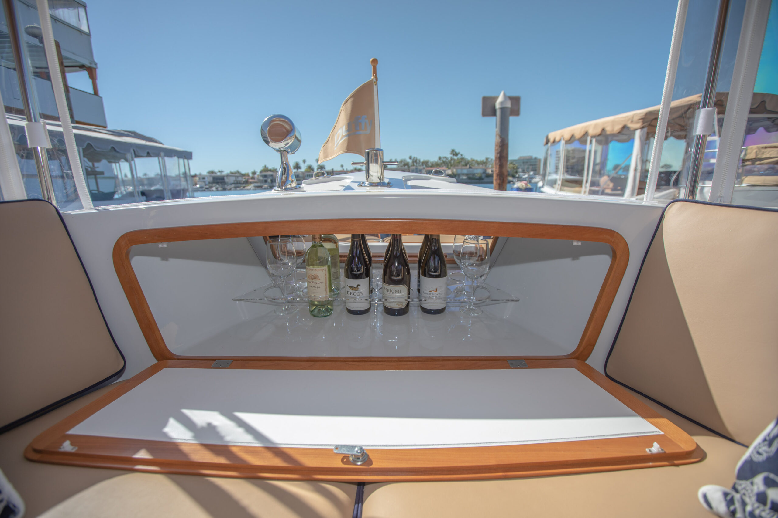 Duffy-Electric-Boats-22Bay-Island-Interior-2021_Med-51