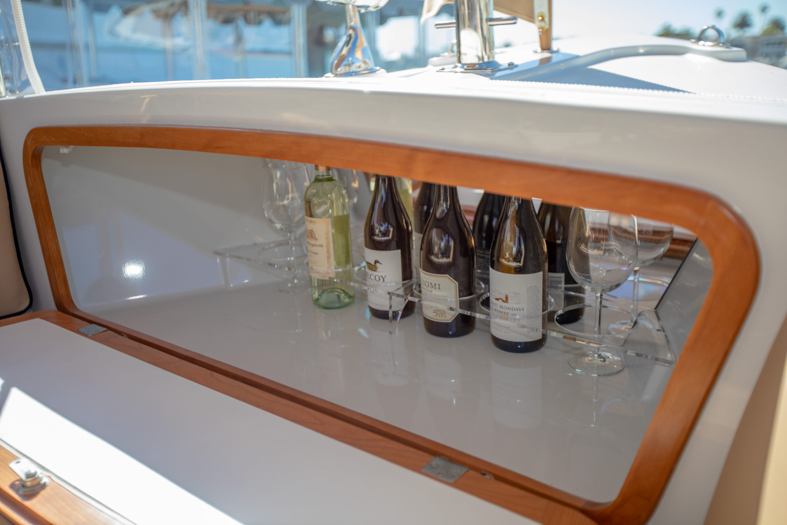 Duffy-Electric-Boats-22Bay-Island-Interior-2021_Med-52