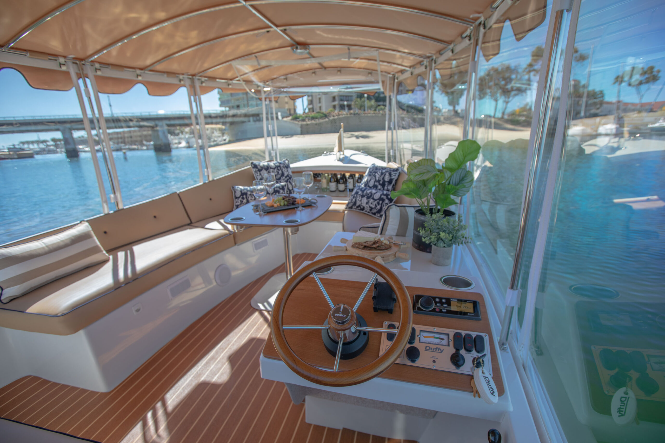Duffy-Electric-Boats-22SC-Interior-2021_Med-13