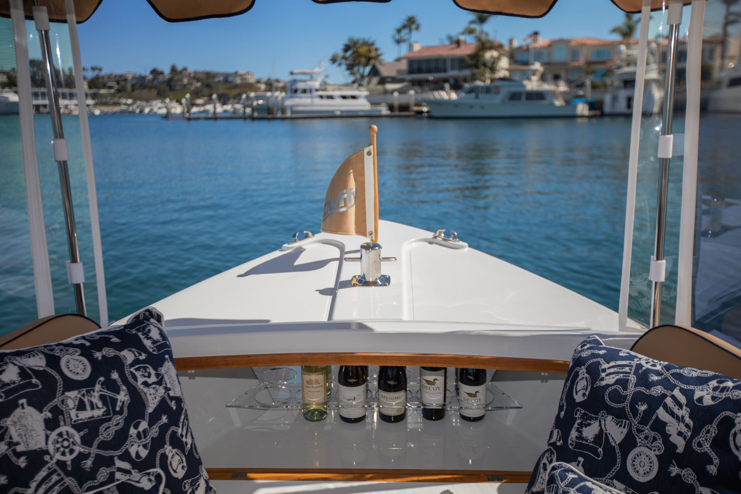Duffy-Electric-Boats-22SC-Interior-2021_Med-17