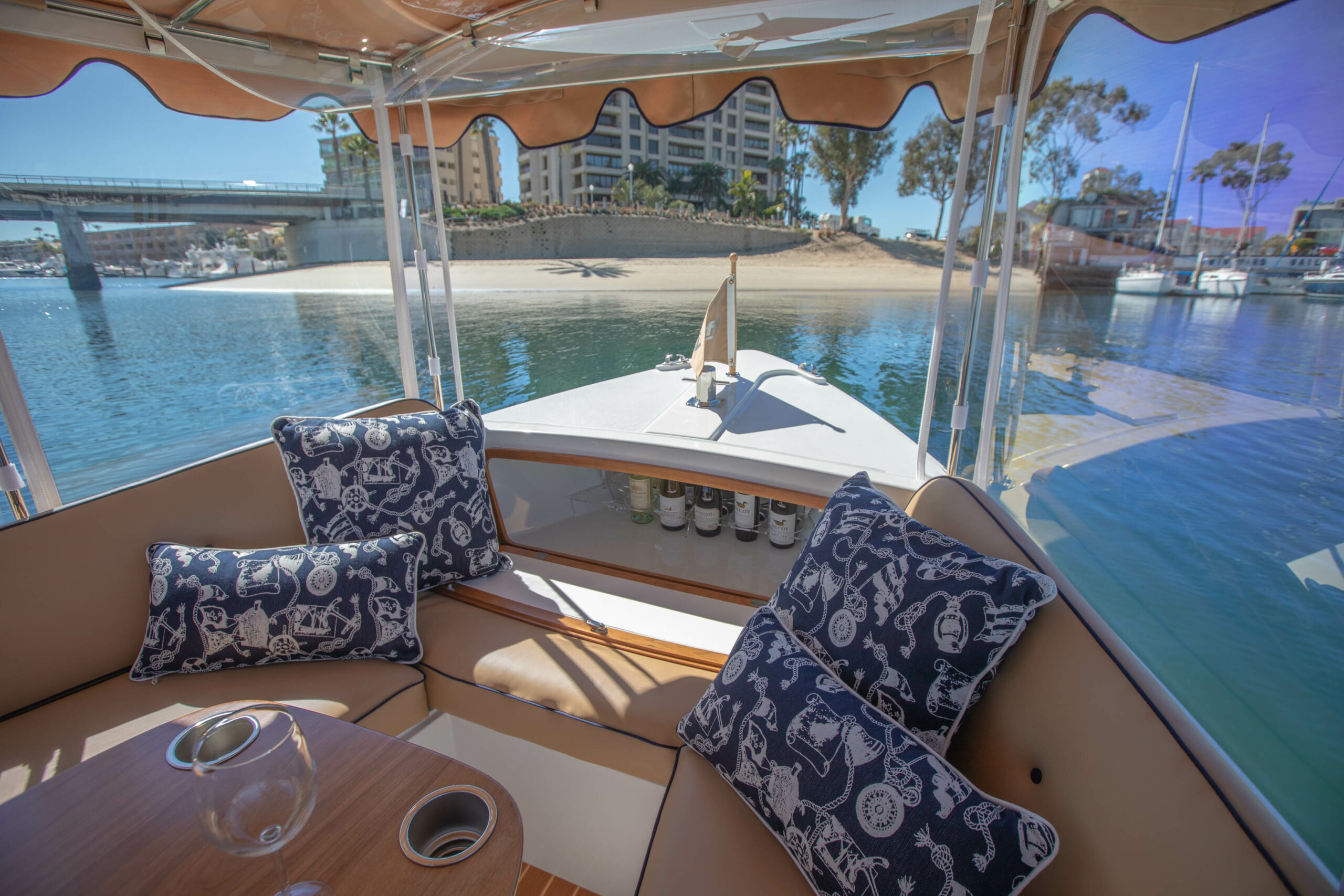 Duffy-Electric-Boats-22SC-Interior-2021_Med-18