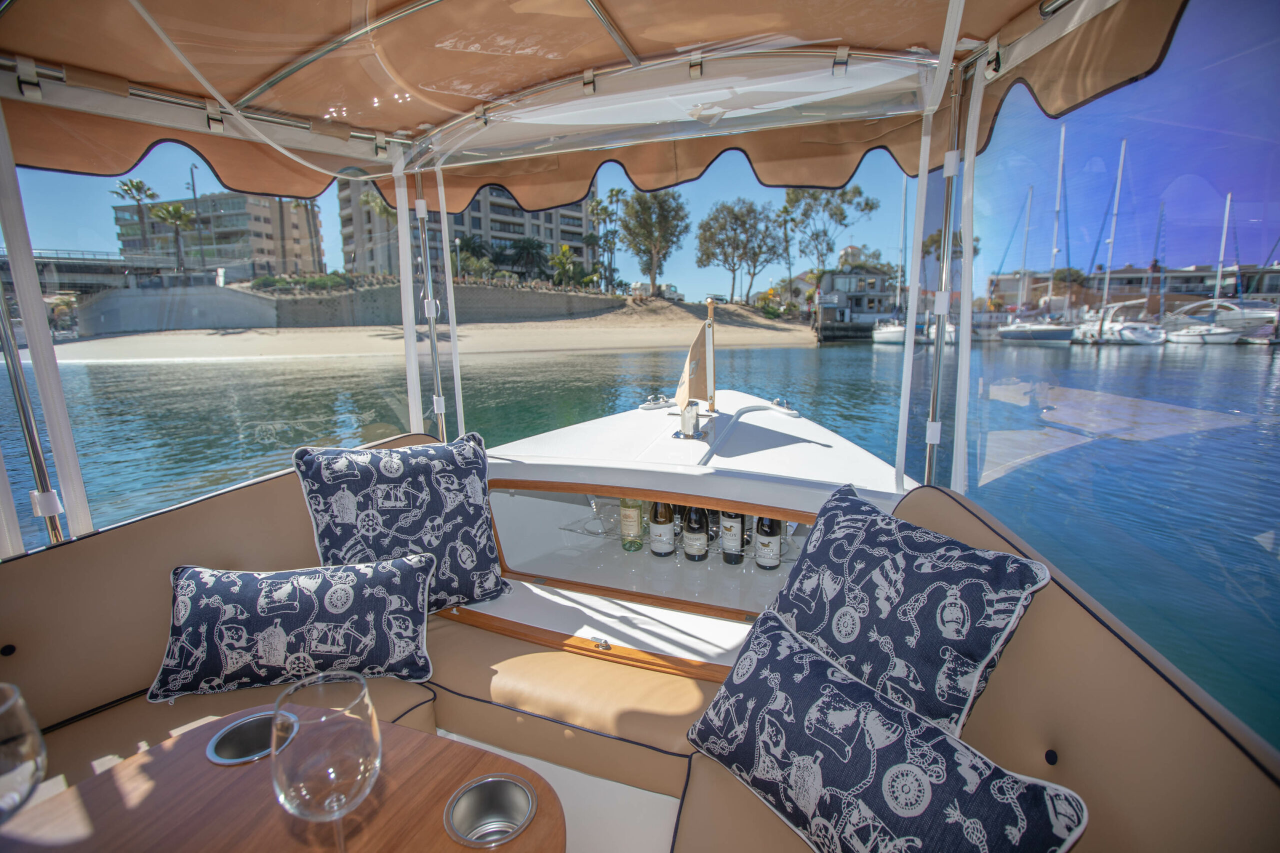 Duffy-Electric-Boats-22SC-Interior-2021_Med-19