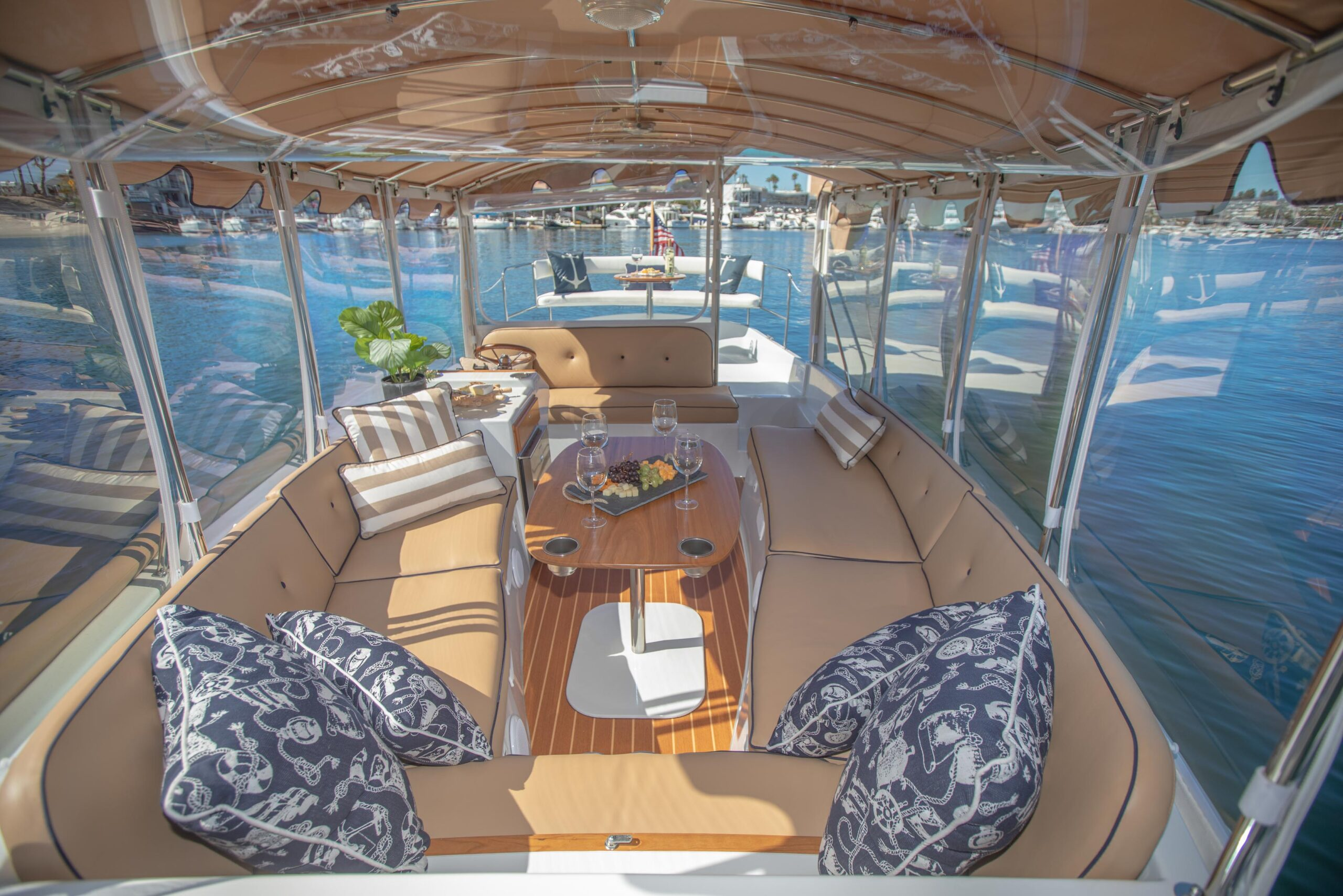 Duffy-Electric-Boats-22SC-Interior-2021_Med-25