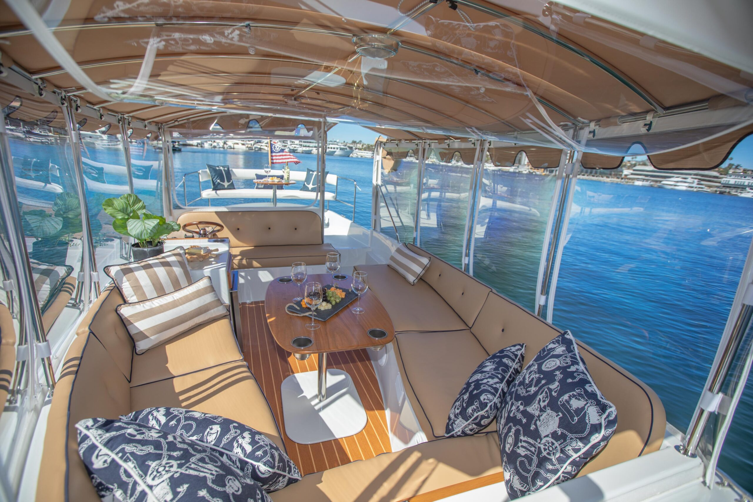 Duffy-Electric-Boats-22SC-Interior-2021_Med-28