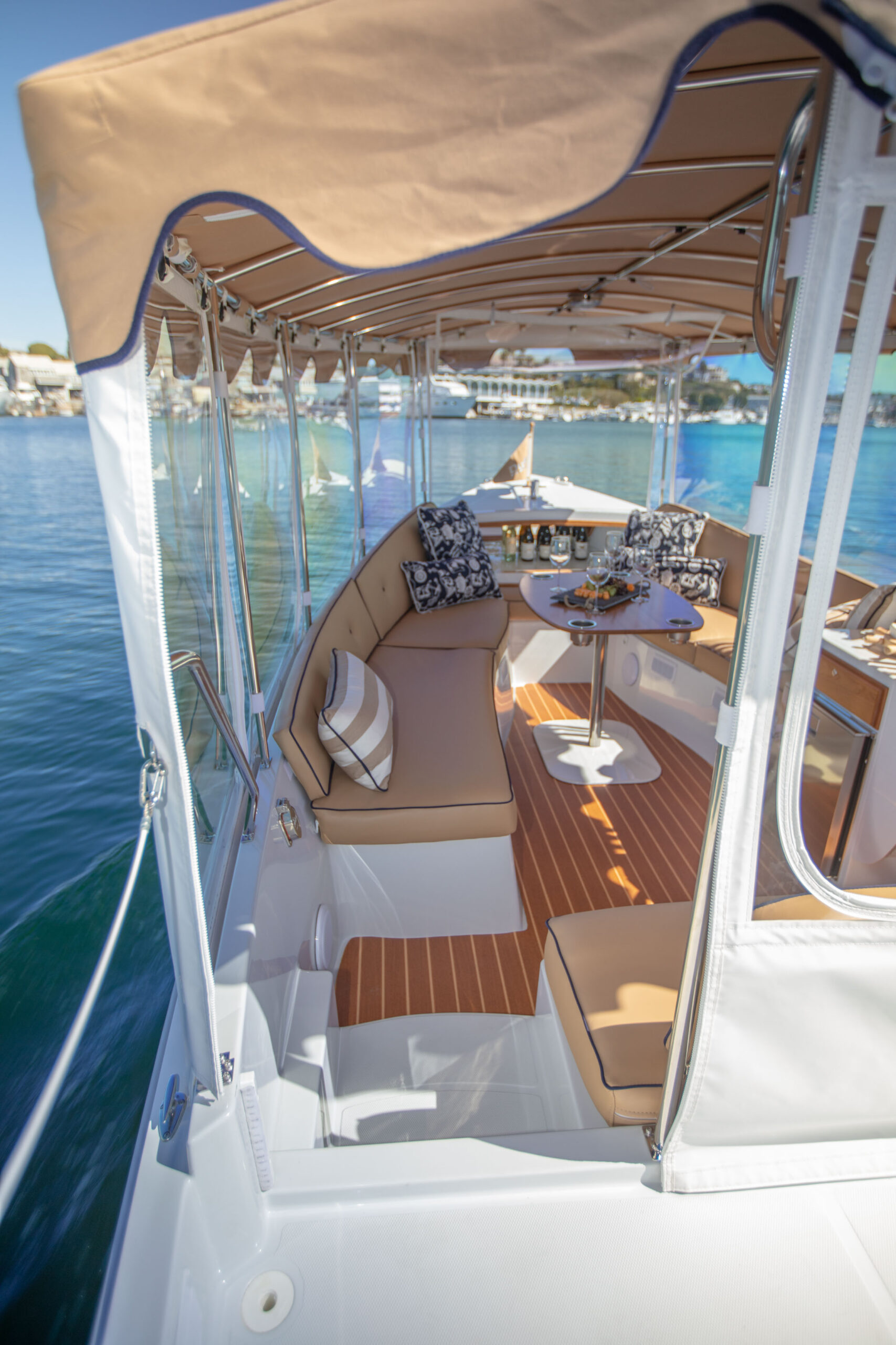 Duffy-Electric-Boats-22SC-Interior-2021_Med-42
