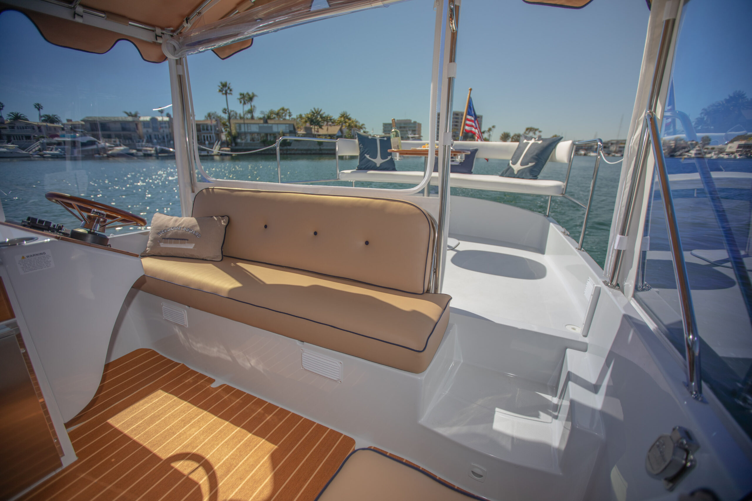 Duffy-Electric-Boats-22SC-Interior-2021_Med-43