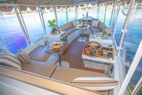 Duffy-Boats-Bay-Island-22-Interior-Sm 18 Bayshore